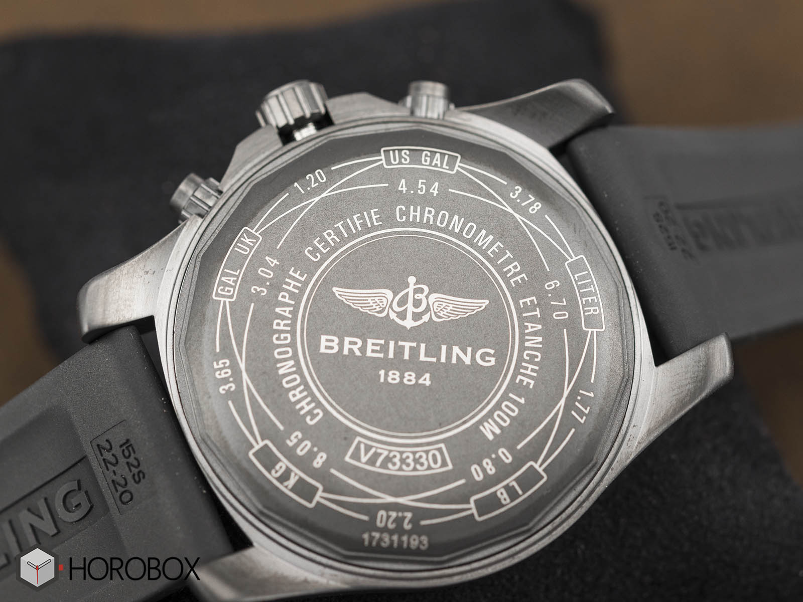 breitling-chronospace-evo-night-mission-4.jpg