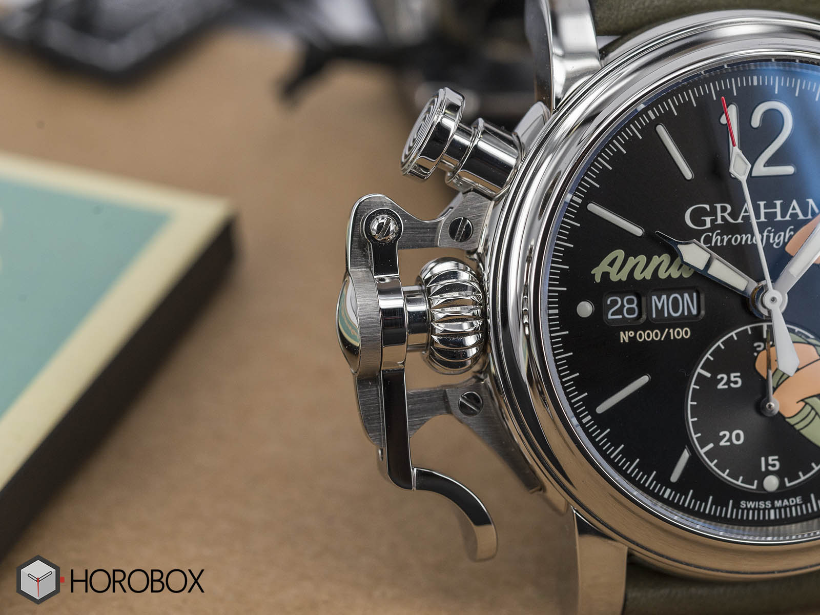 graham-chronofighter-vintage-nose-art-ltd-4.jpg
