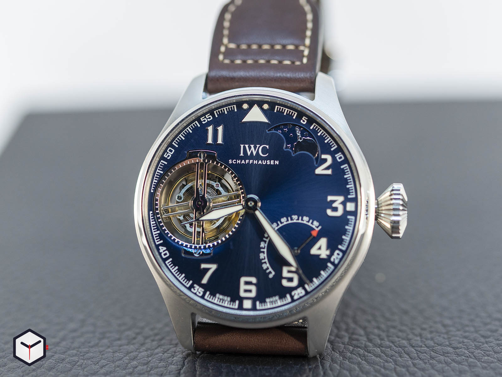 iw590302-iwc-big-pilot-s-watch-constant-force-tourbillon-edition-le-petit-prince-2.jpg