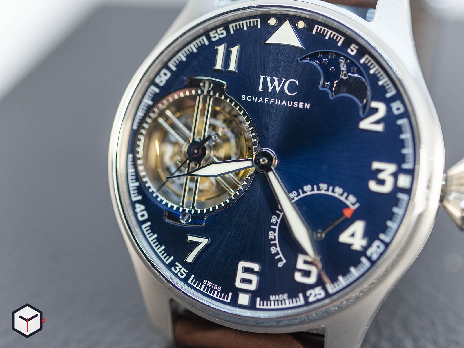 iw590302-iwc-big-pilot-s-watch-constant-force-tourbillon-edition-le-petit-prince-3.jpg