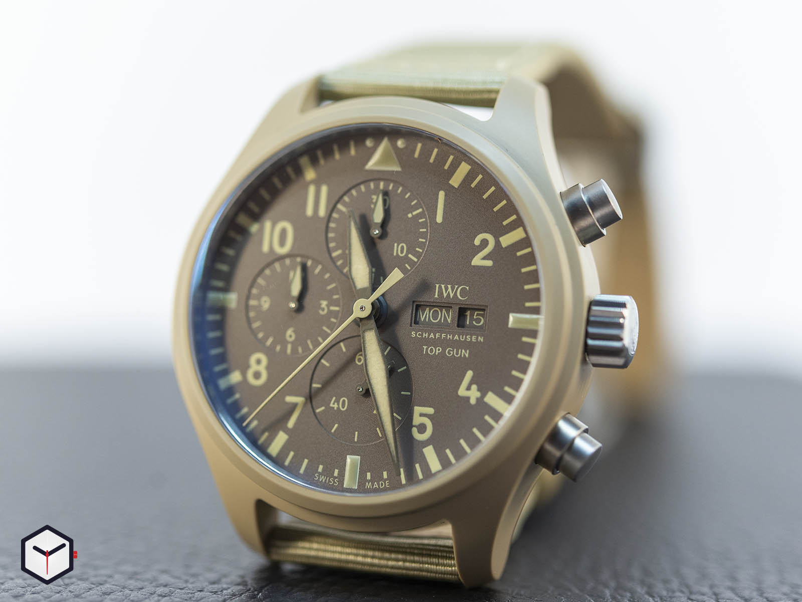iw389103-iwc-pilot-s-watch-chronograph-top-gun-edition-mojave-desert-sihh-2019-3.jpg