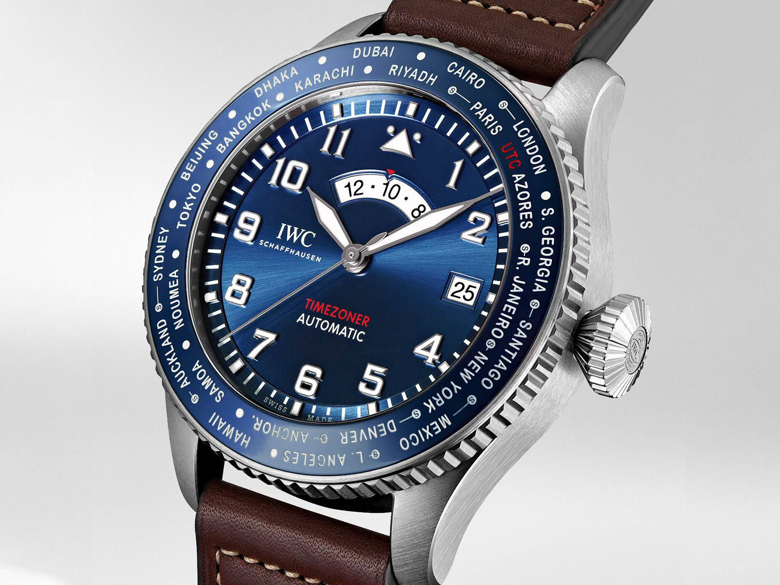 iw395503-iwc-pilot-s-watch-timezoner-edition-le-petit-prince-2.jpg