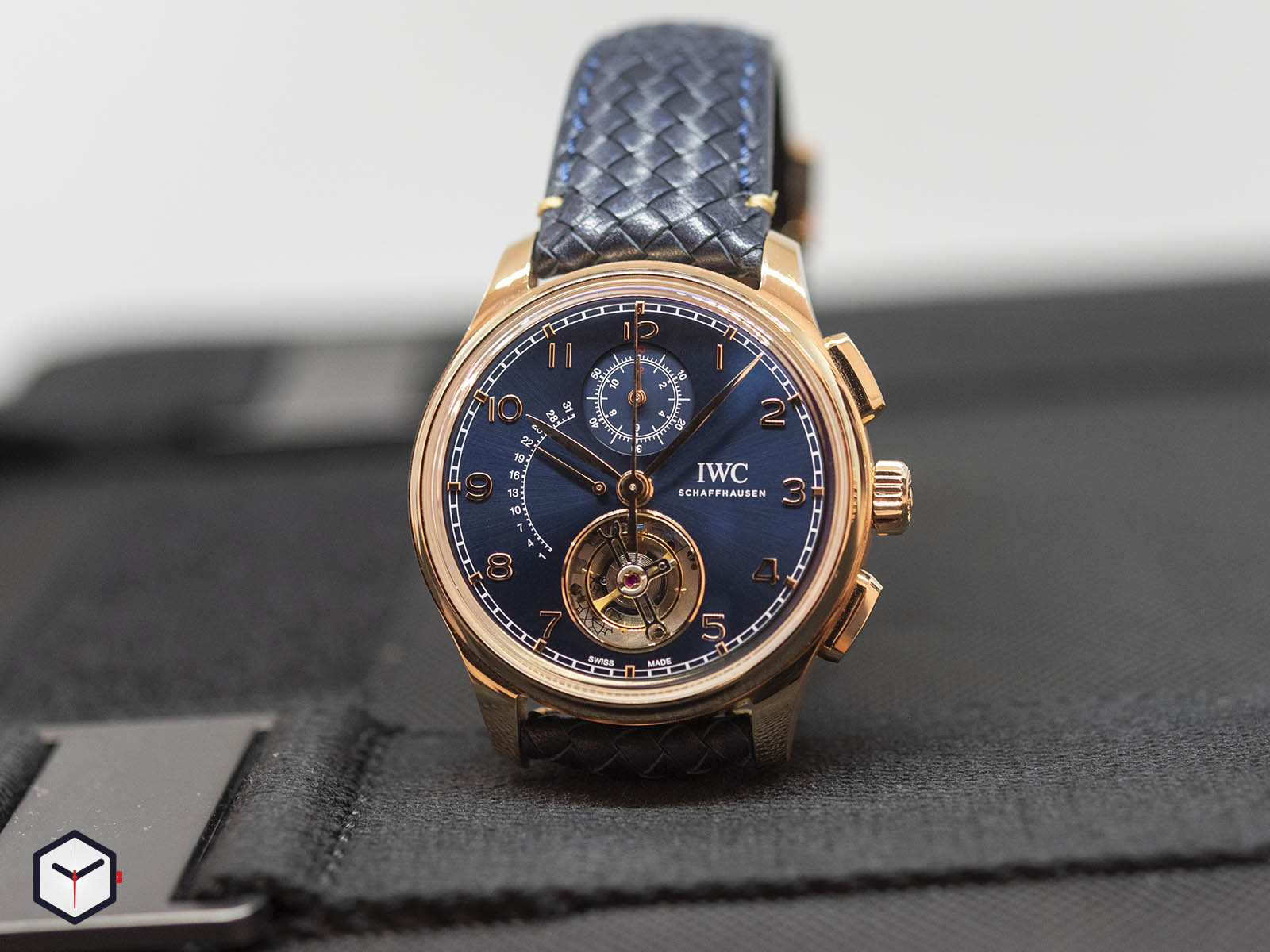 iw394005-iwc-portugieser-tourbillon-retrograde-chronograph-boutique-edition-2.jpg