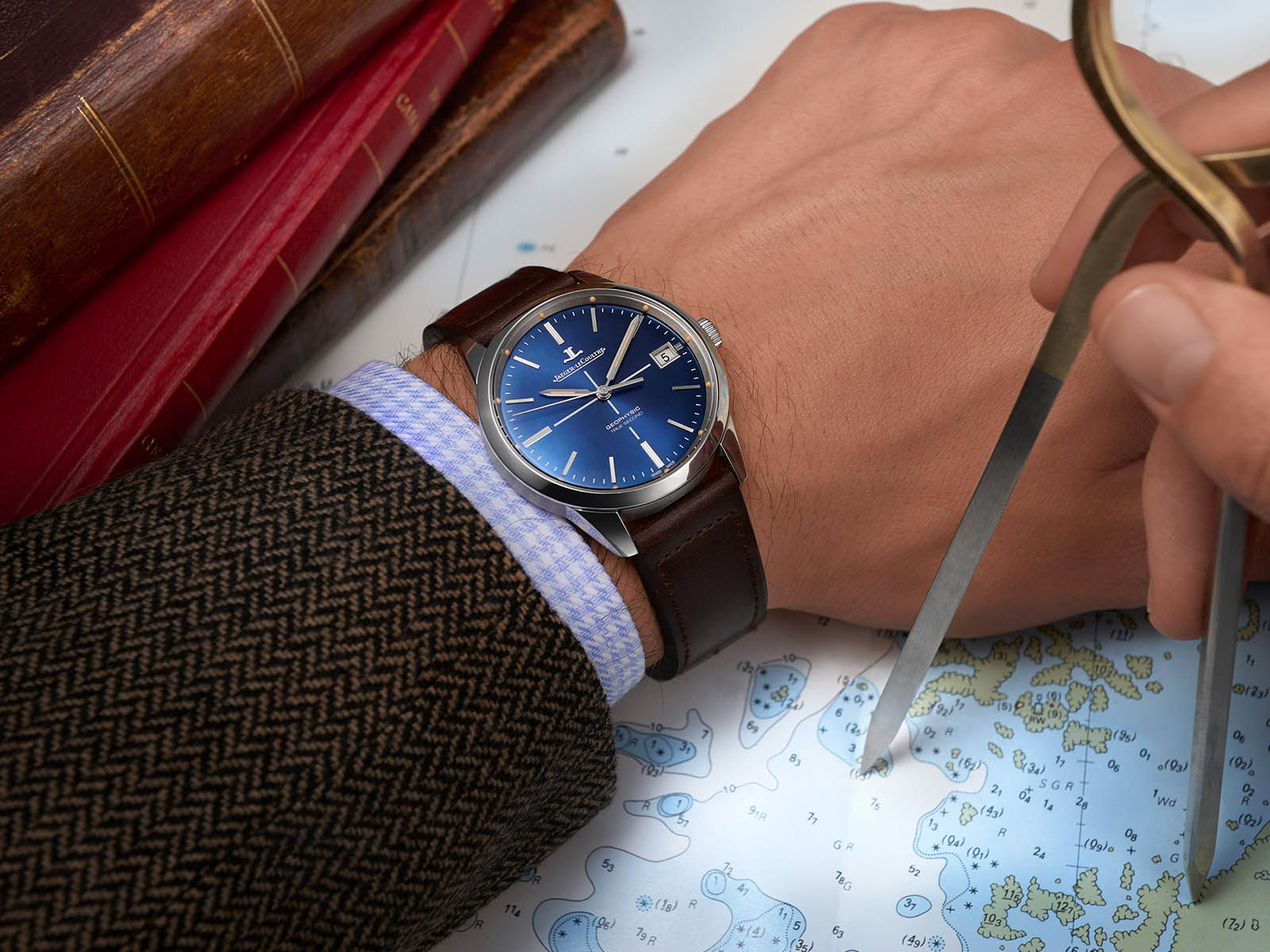 jaeger-lecoultre-geophysic-true-second-blue-1.jpg