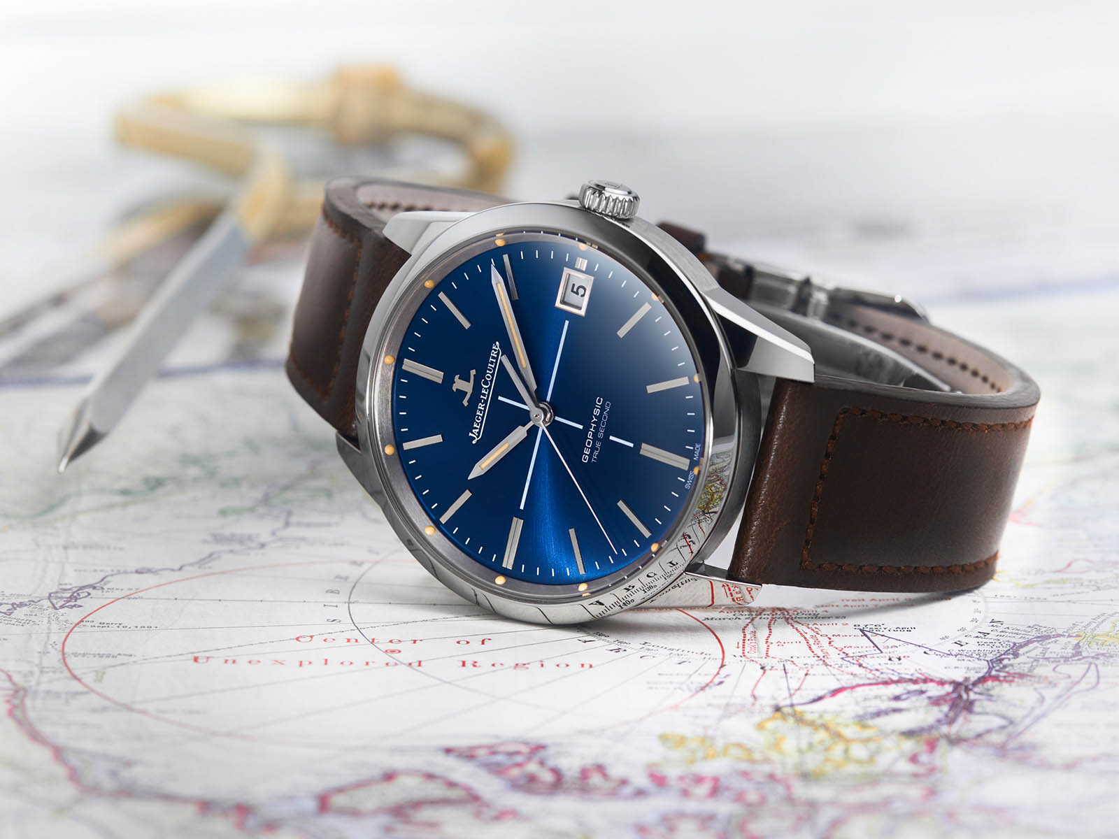 jaeger-lecoultre-geophysic-true-second-blue-2.jpg