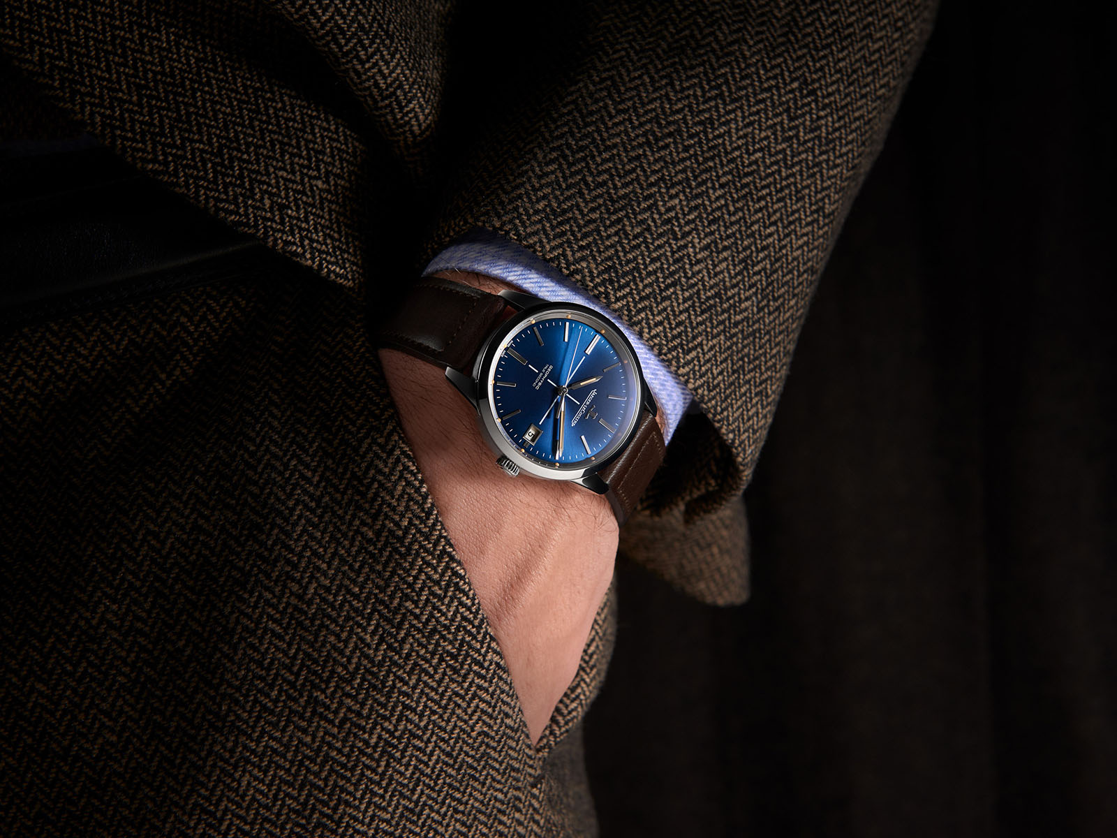 jaeger-lecoultre-geophysic-true-second-blue-5.jpg