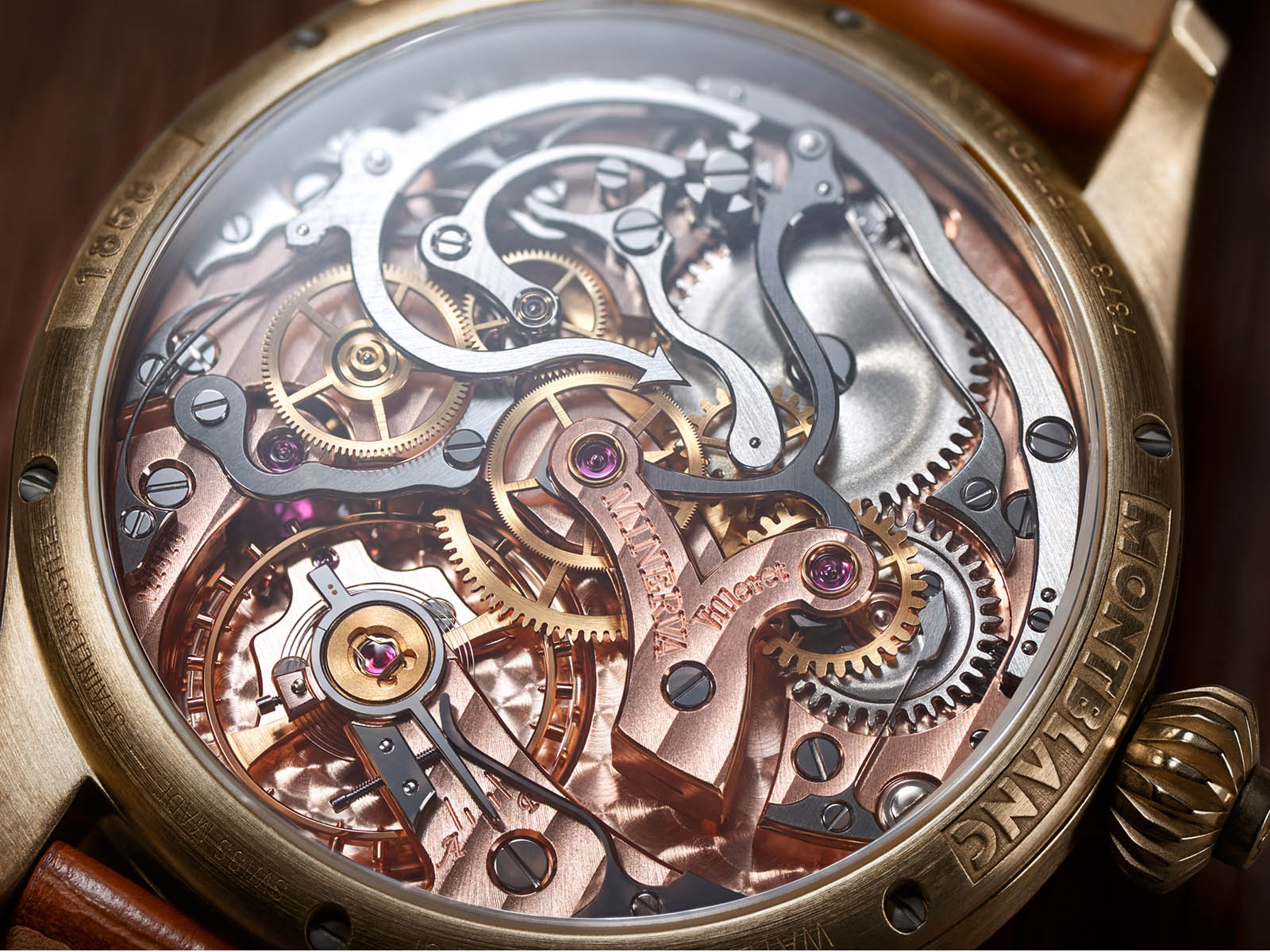montblanc-1858-chronograph-tachymeter-limited-edition-salmon-dial-8.jpg