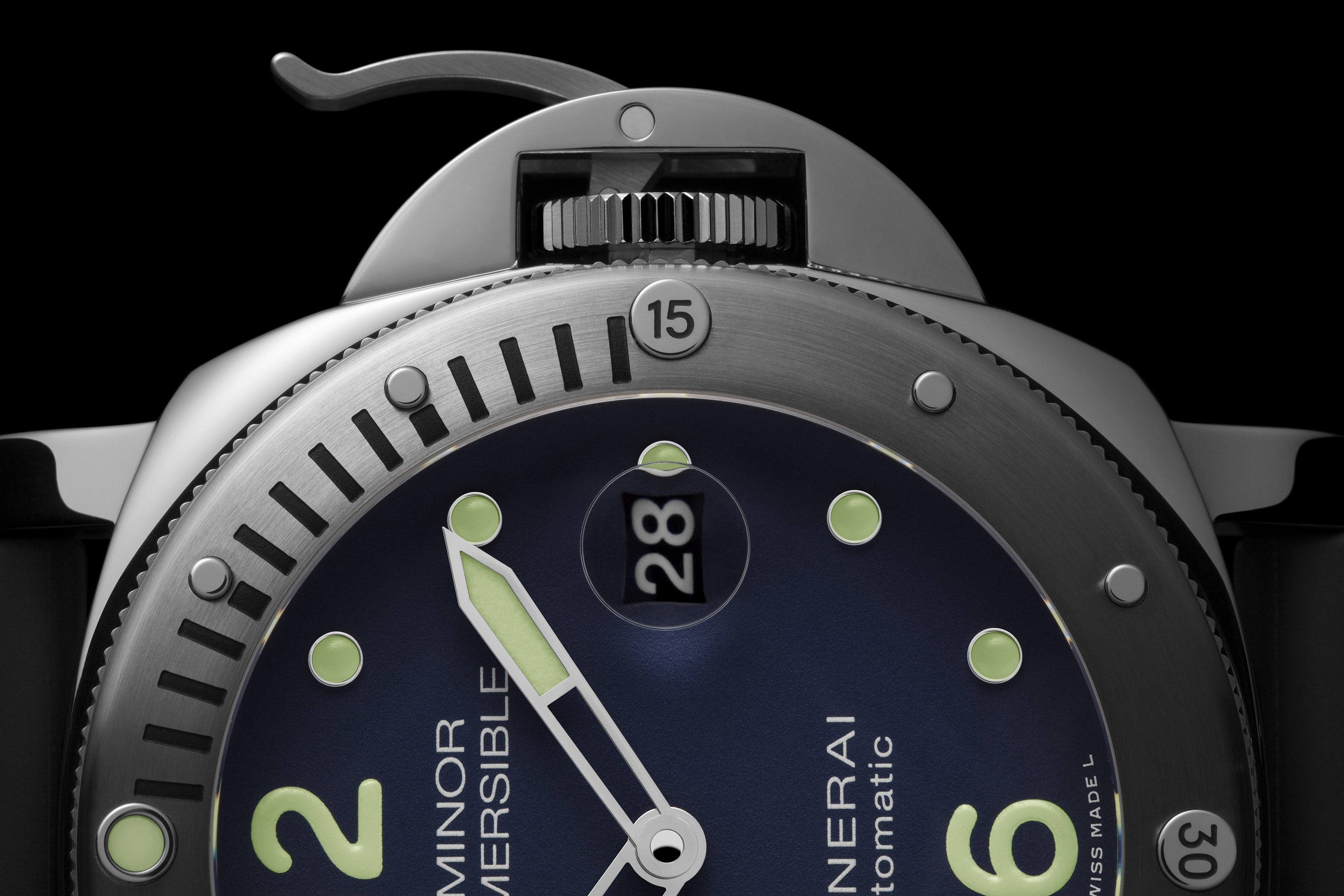 officine-panerai-submersible-pam00731-5.jpg