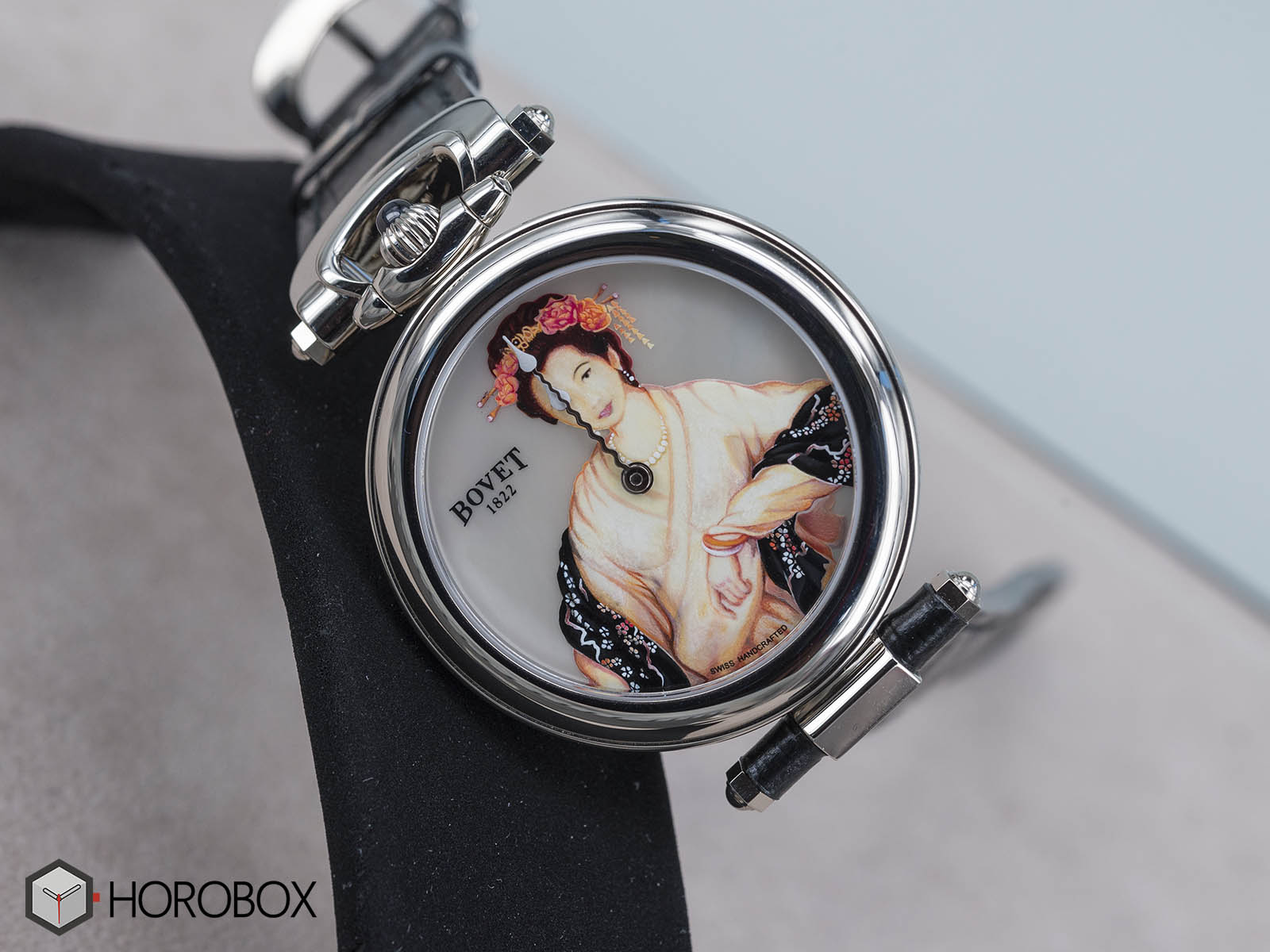 bovet-secret-beauty-onlywatch.jpg