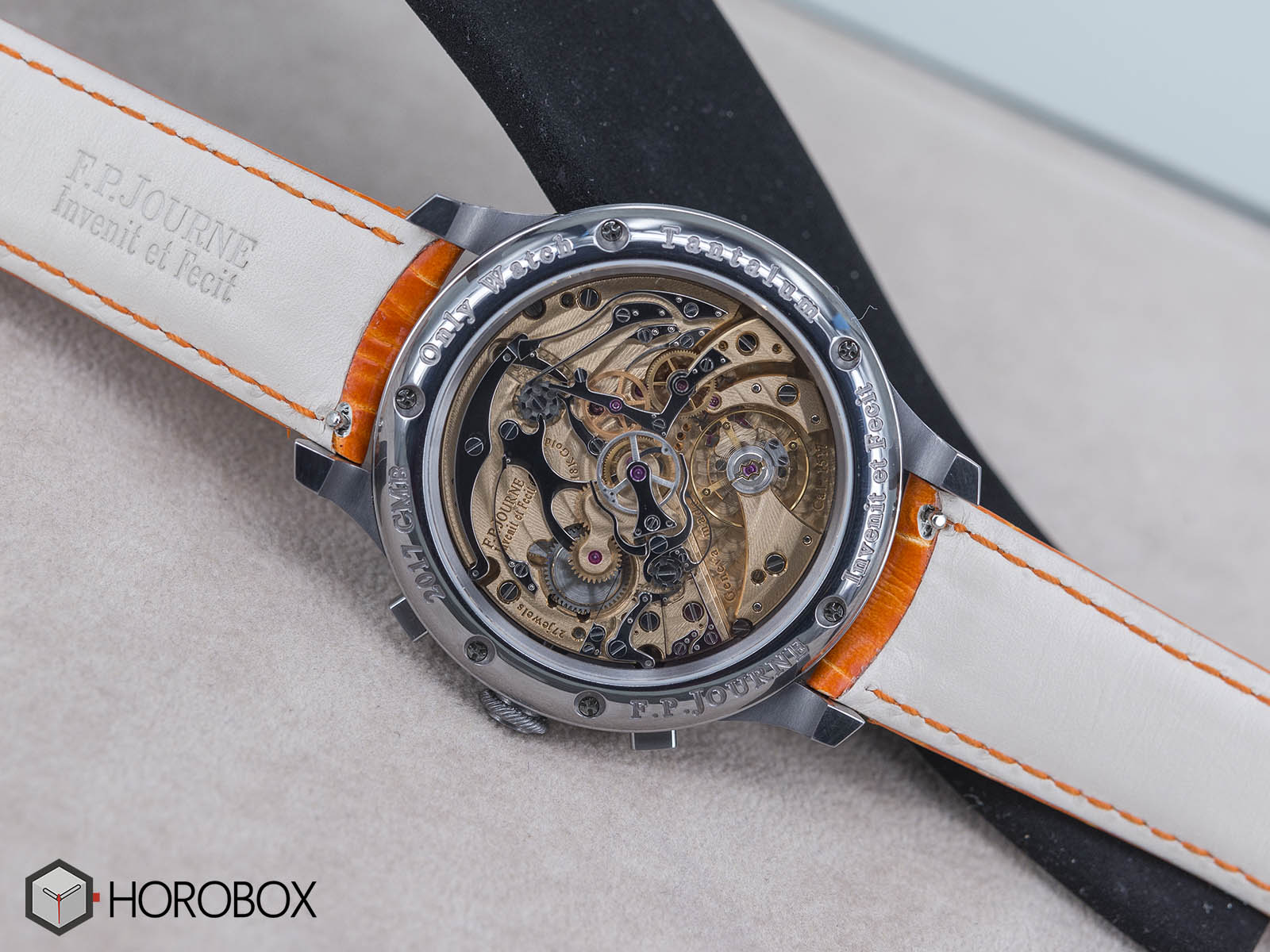 f-p-journe-chronographe-monopoussoir-rattrapante-bleu-2.jpg
