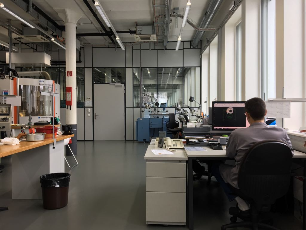 zenith-factory-visit-le-locle-7.jpeg