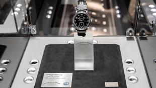 """A. Lange & Söhne 1815 """"Homage To Walter Lange"""" Stainless Steel 852,525 USD'a Alıcı Buldu"""