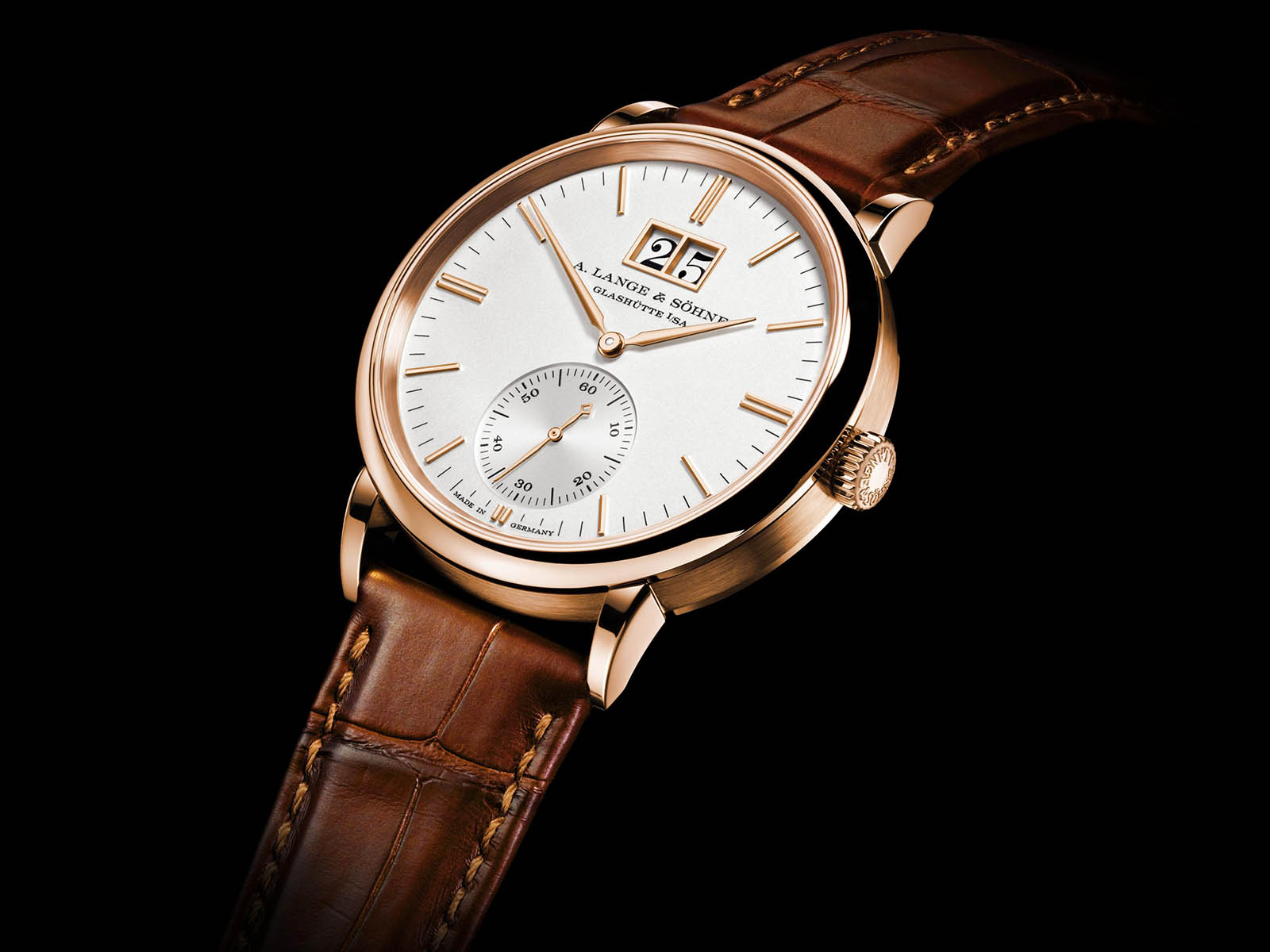 381-032-a-lange-sohne-saxonia-outsize-date-pink-gold-3.jpg