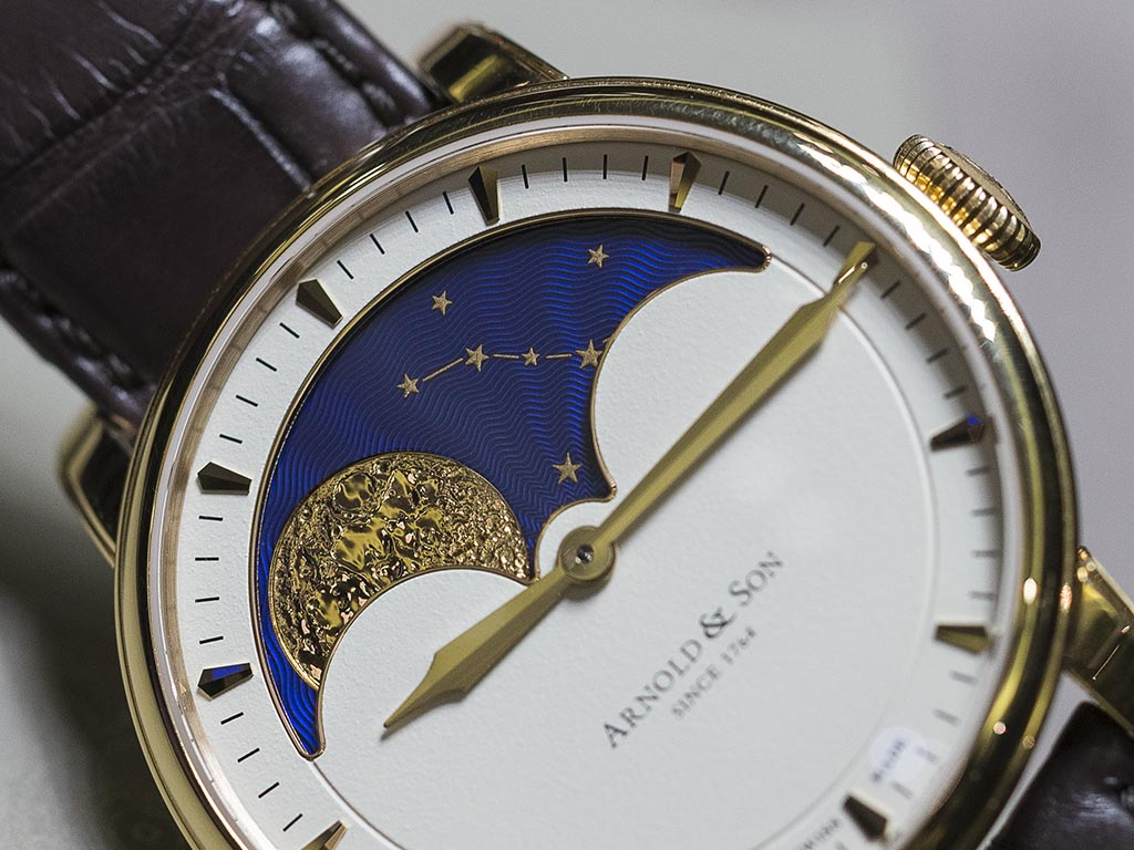 Arnold-Son_Royal_Collection_HM_Perpetual_Moon_6.jpg