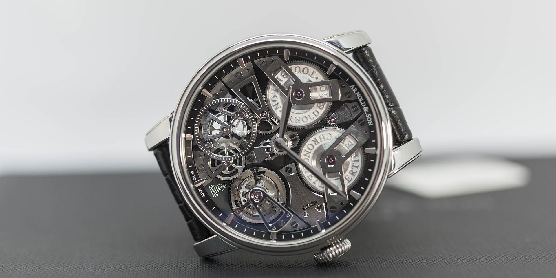 1etas-b01a-c113s-arnold-son-tourbillon-chronometer-no-36-tribute-edition-3.jpg