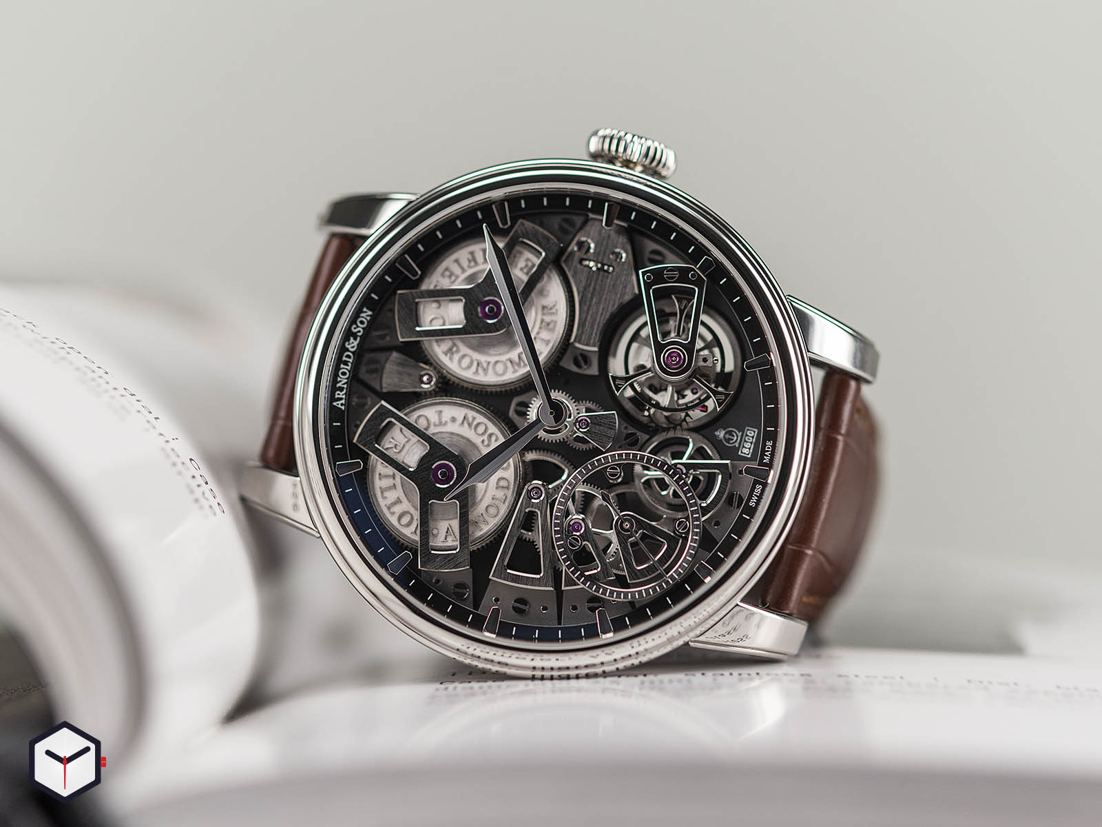 1etas-b01a-c113s-arnold-son-tourbillon-chronometer-no-36-tribute-edition-steel-1.jpg