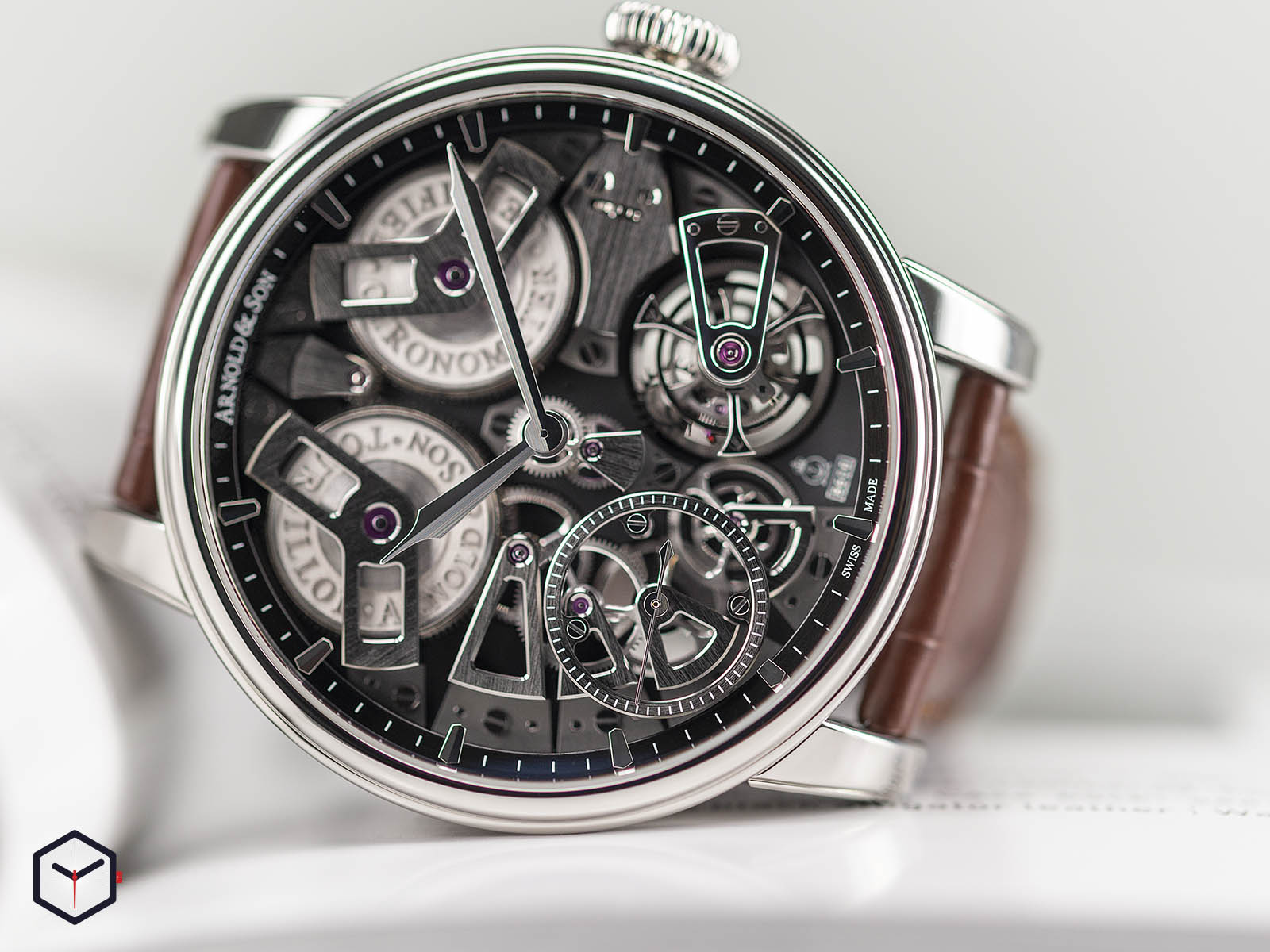 1etas-b01a-c113s-arnold-son-tourbillon-chronometer-no-36-tribute-edition-steel-3.jpg