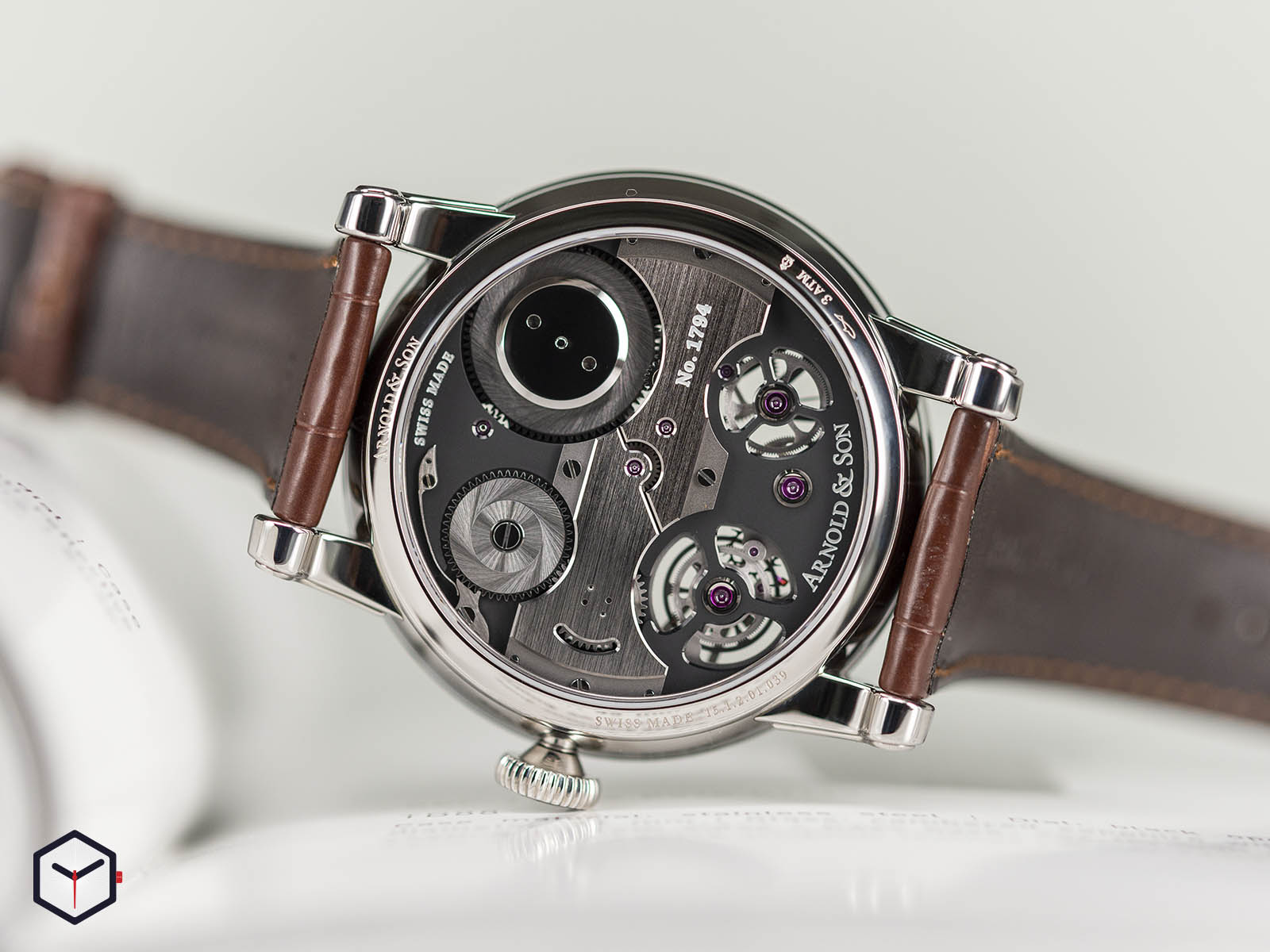 1etas-b01a-c113s-arnold-son-tourbillon-chronometer-no-36-tribute-edition-steel-6.jpg
