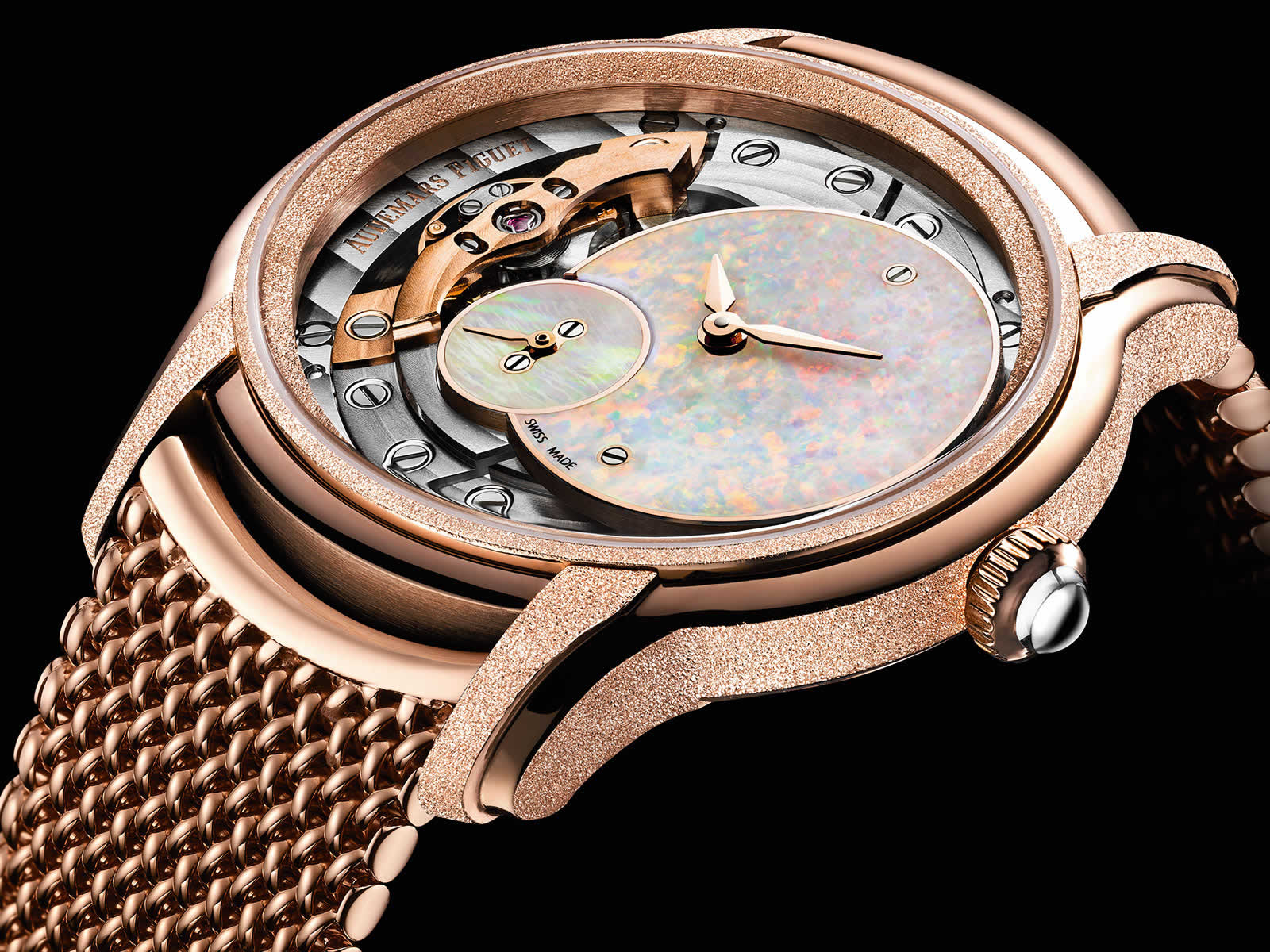 Audemars-Piguet-Frosted-Gold-Opal-Dial-77244OR-GG-1272OR-01_2-Closeup-Original-Sihh2018.jpg