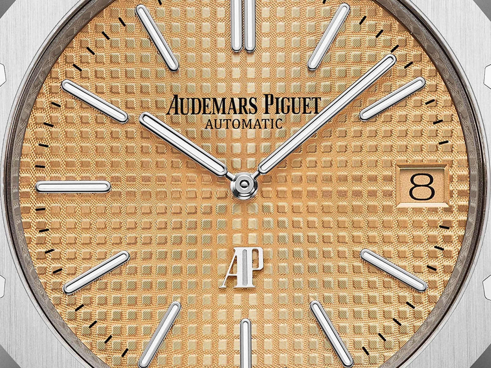 15202bc-oo-1240bc-01-audemars-piguet-royal-oak-jumbo-extra-thin-3.jpg