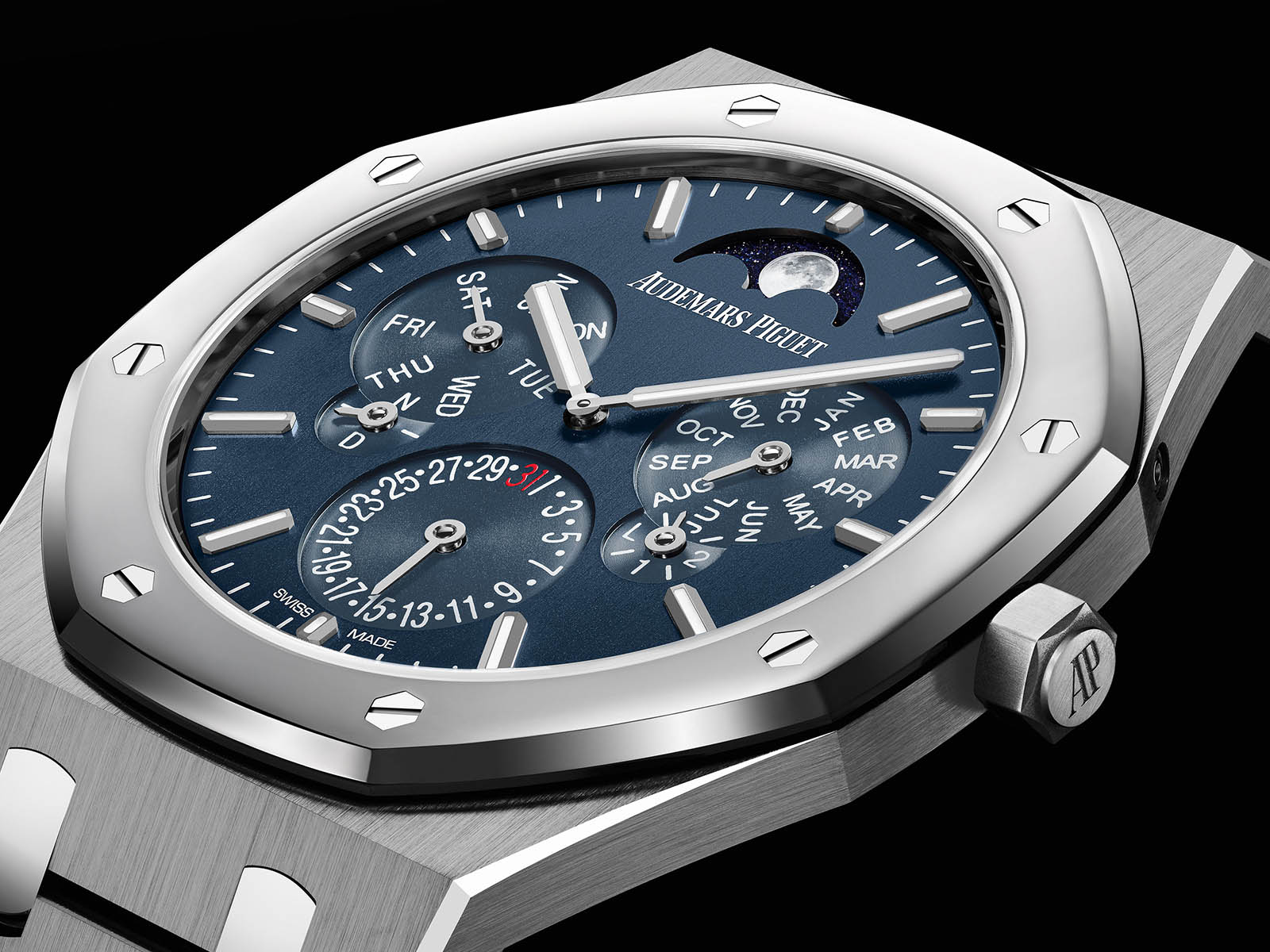 26586ip-oo-1240ip-01-audemars-piguet-royal-oak-perpetual-calendar-ultra-thin-1.jpg
