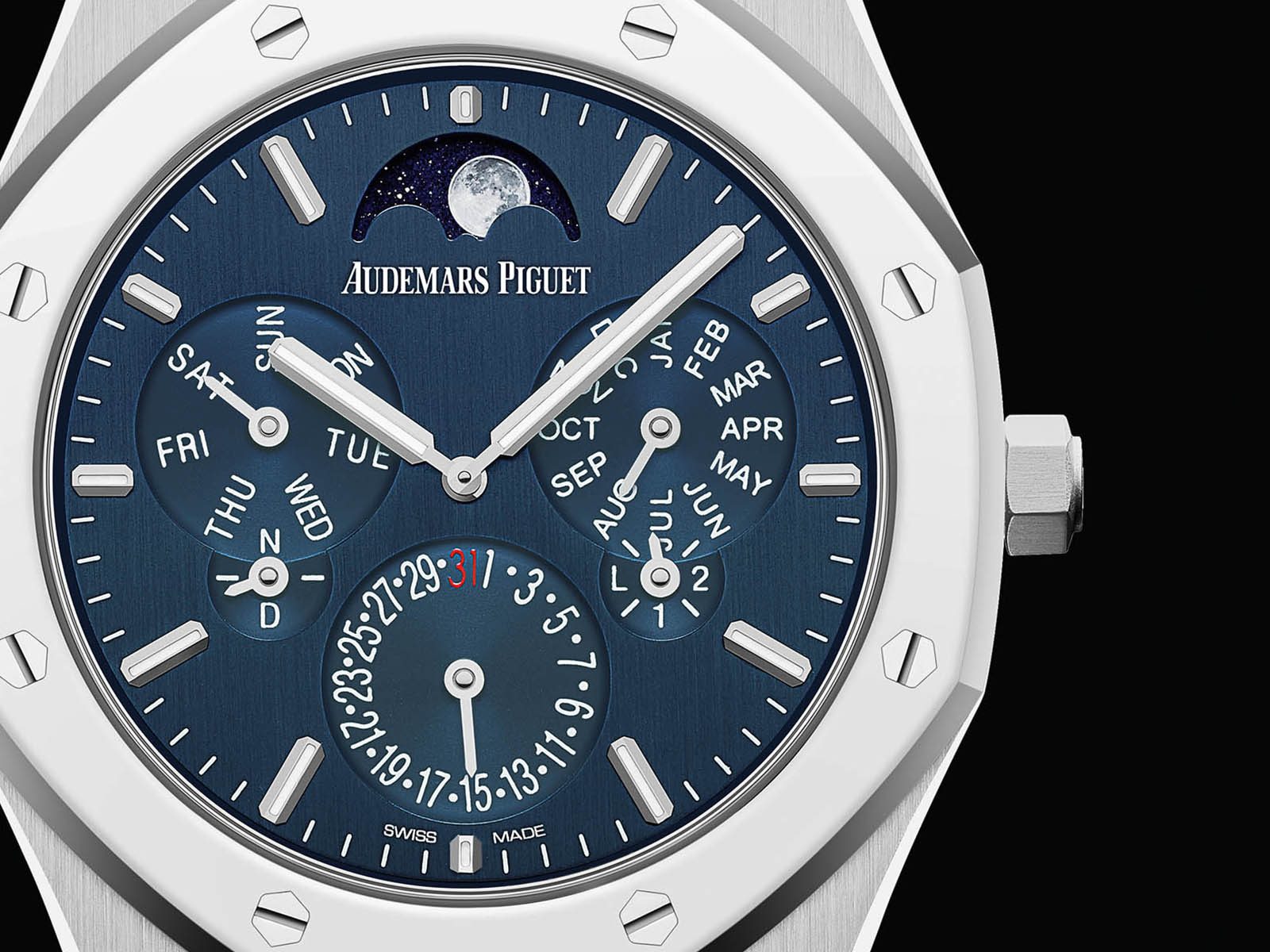 26586ip-oo-1240ip-01-audemars-piguet-royal-oak-perpetual-calendar-ultra-thin-2.jpg