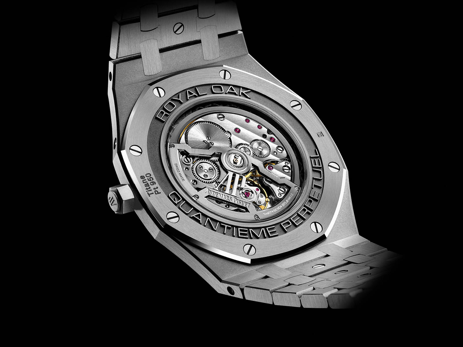 26586ip-oo-1240ip-01-audemars-piguet-royal-oak-perpetual-calendar-ultra-thin-8.jpg