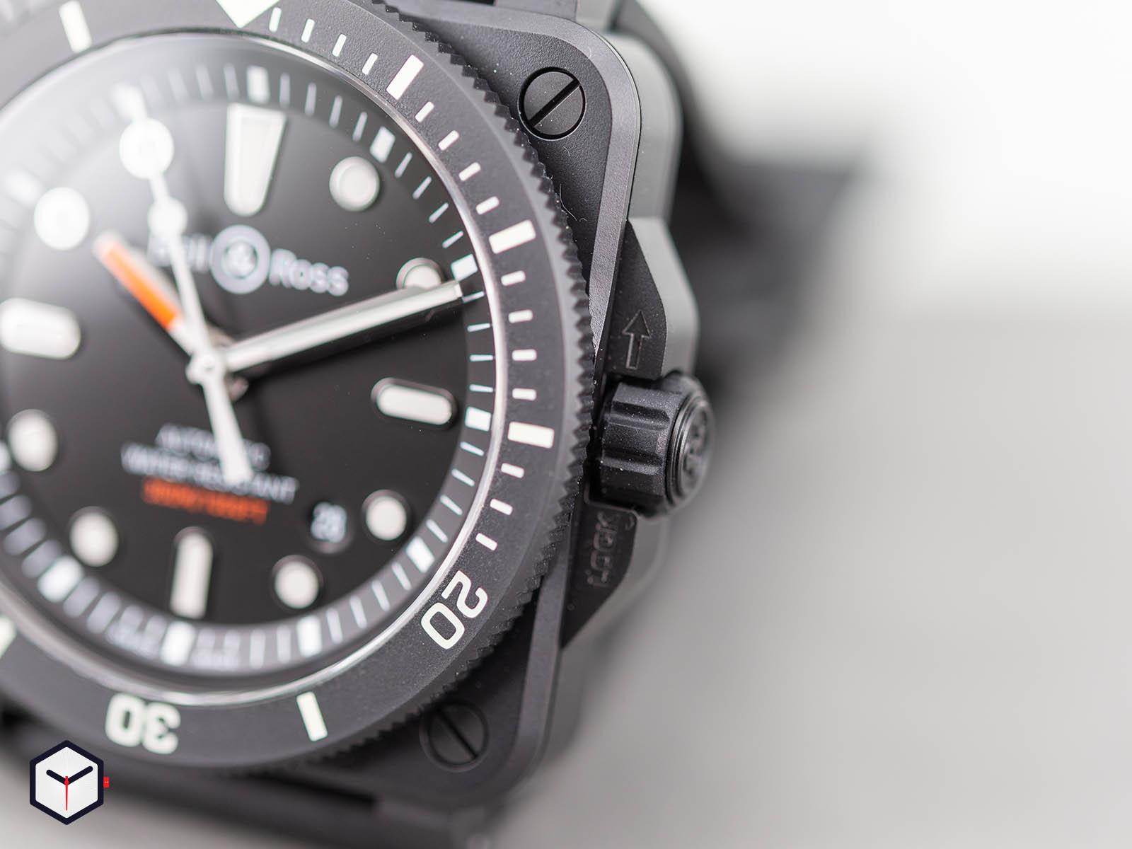 br0392-d-bl-ce-srb-bell-ross-br-03-92-diver-black-matte-4.jpg