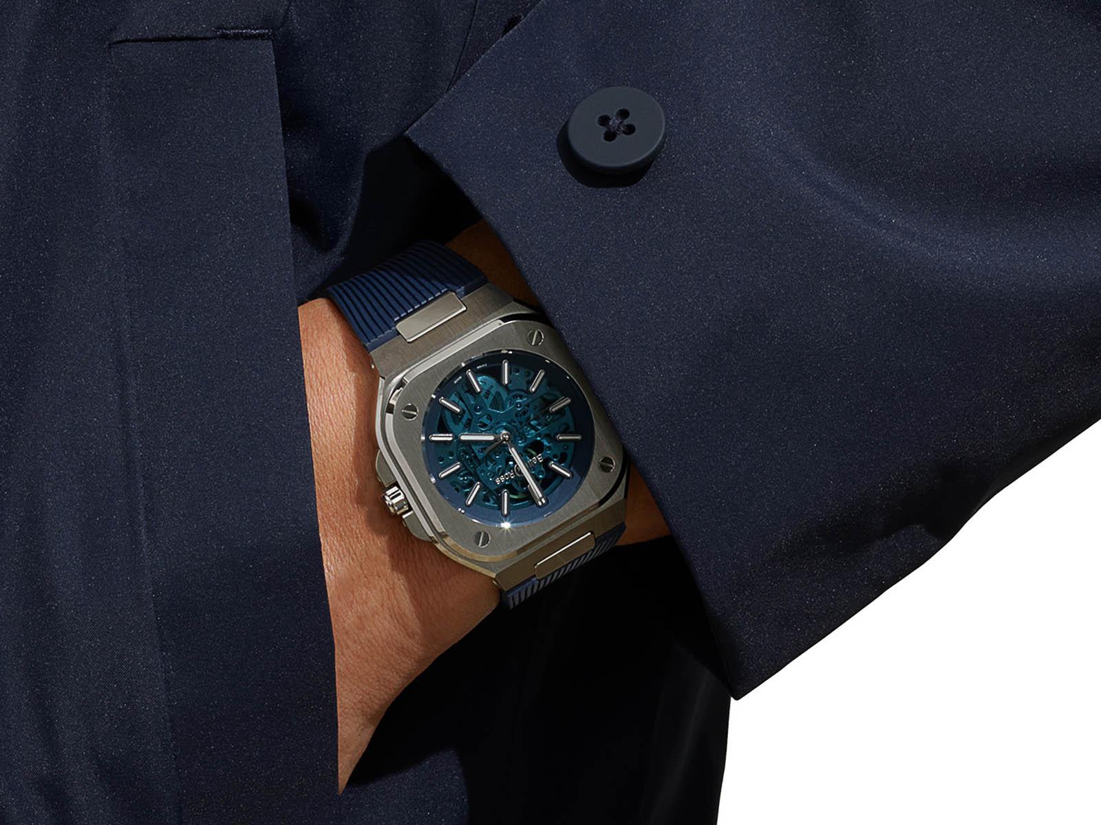 br05a-blu-skst-srb-bell-ross-br-05-skeleton-blue-rubber-limited-edition-2.jpg