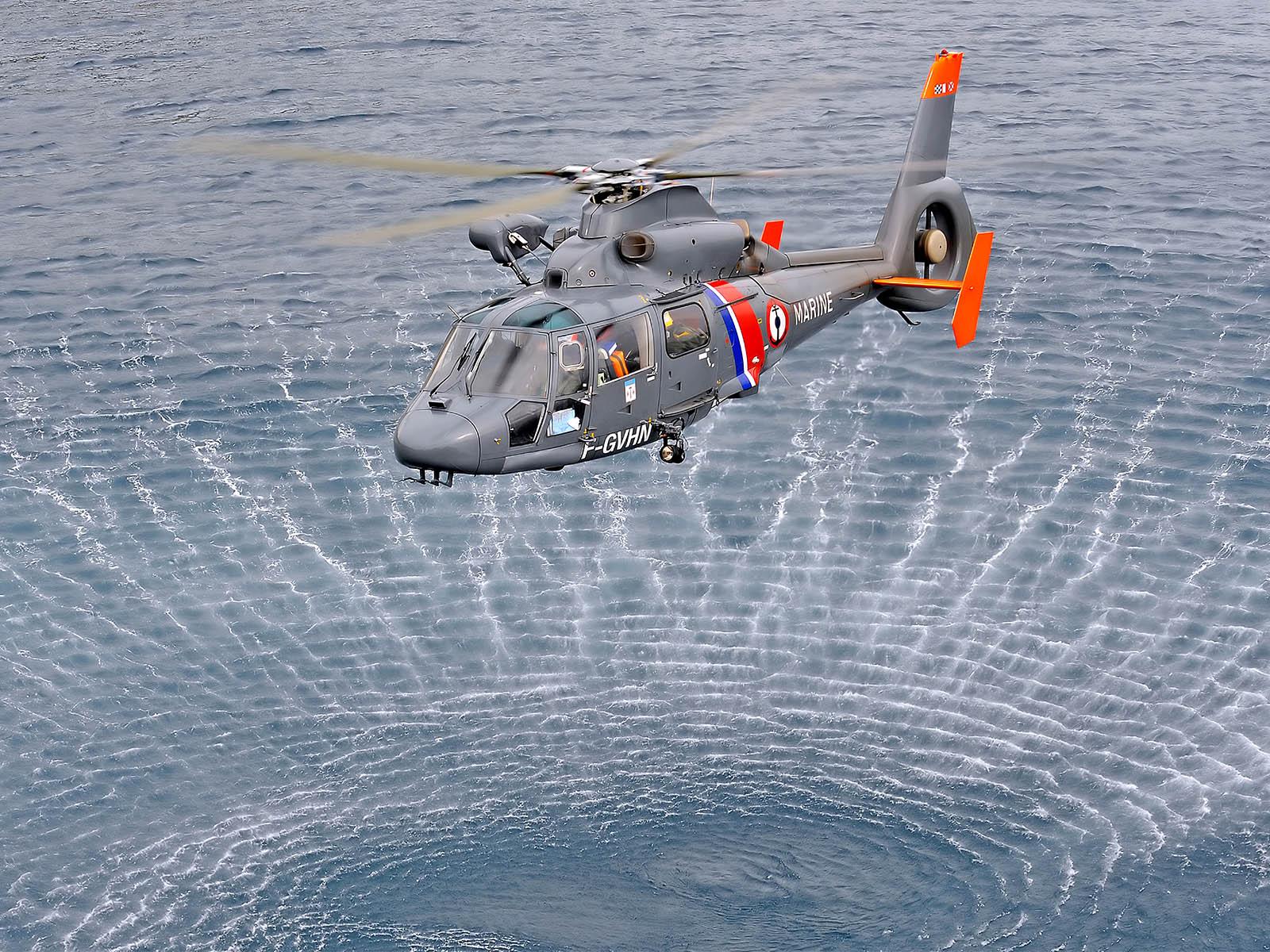 Bell-Ross-BR-V2-92-Garde-Cotes-5.jpg