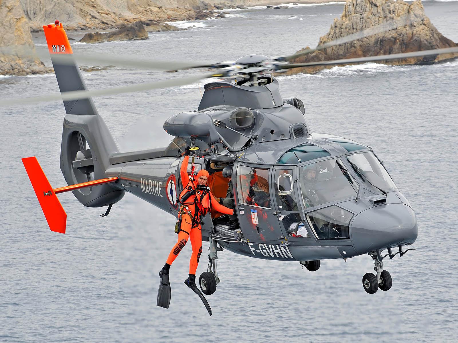Bell-Ross-BR-V2-92-Garde-Cotes-6.jpg