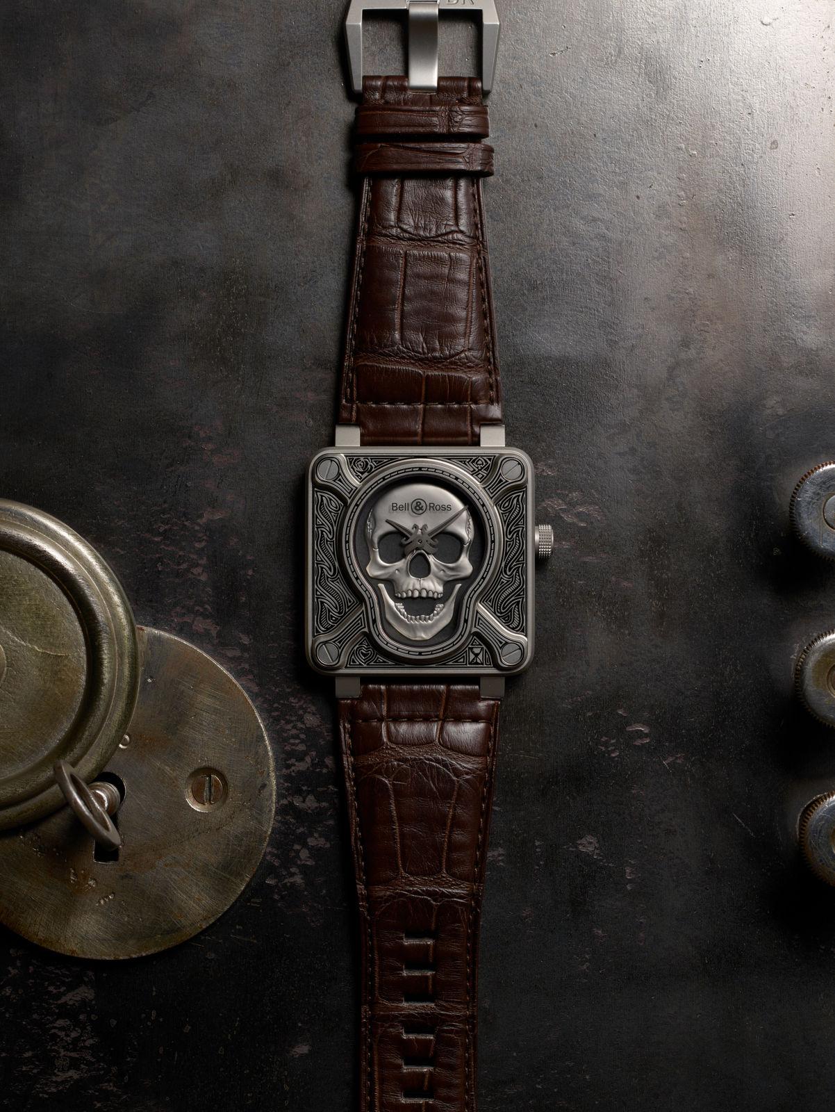 Bell-Ross-Burning-Skull-6.jpg