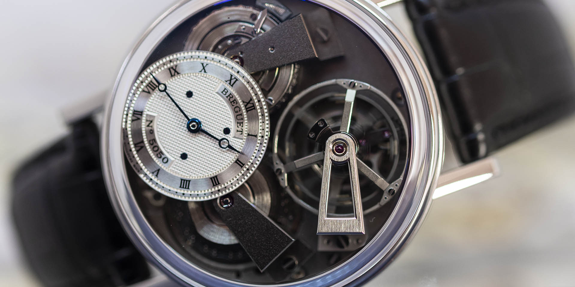 7047pt-11-9zu-breguet-tradition-fusee-tourbillon-1.jpg