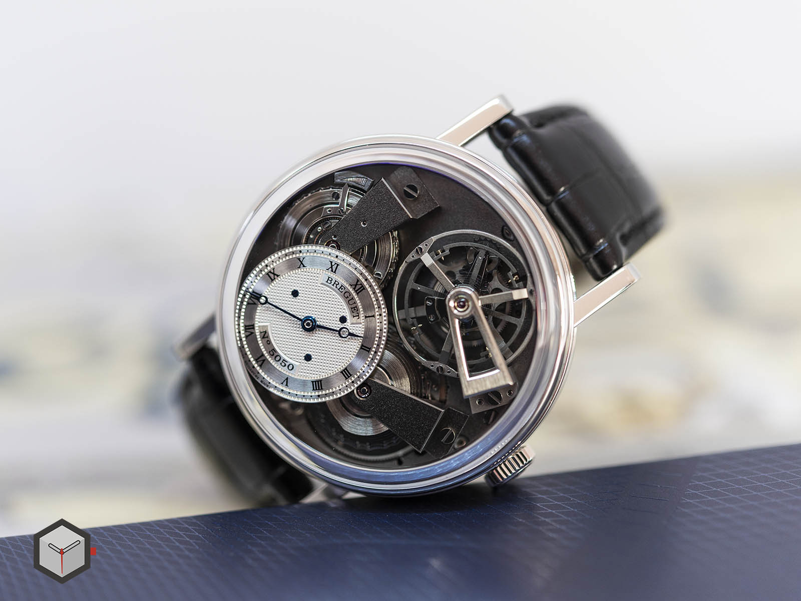 7047pt-11-9zu-breguet-tradition-fusee-tourbillon-3.jpg