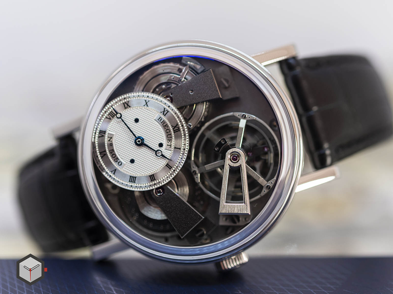 7047pt-11-9zu-breguet-tradition-fusee-tourbillon-4.jpg