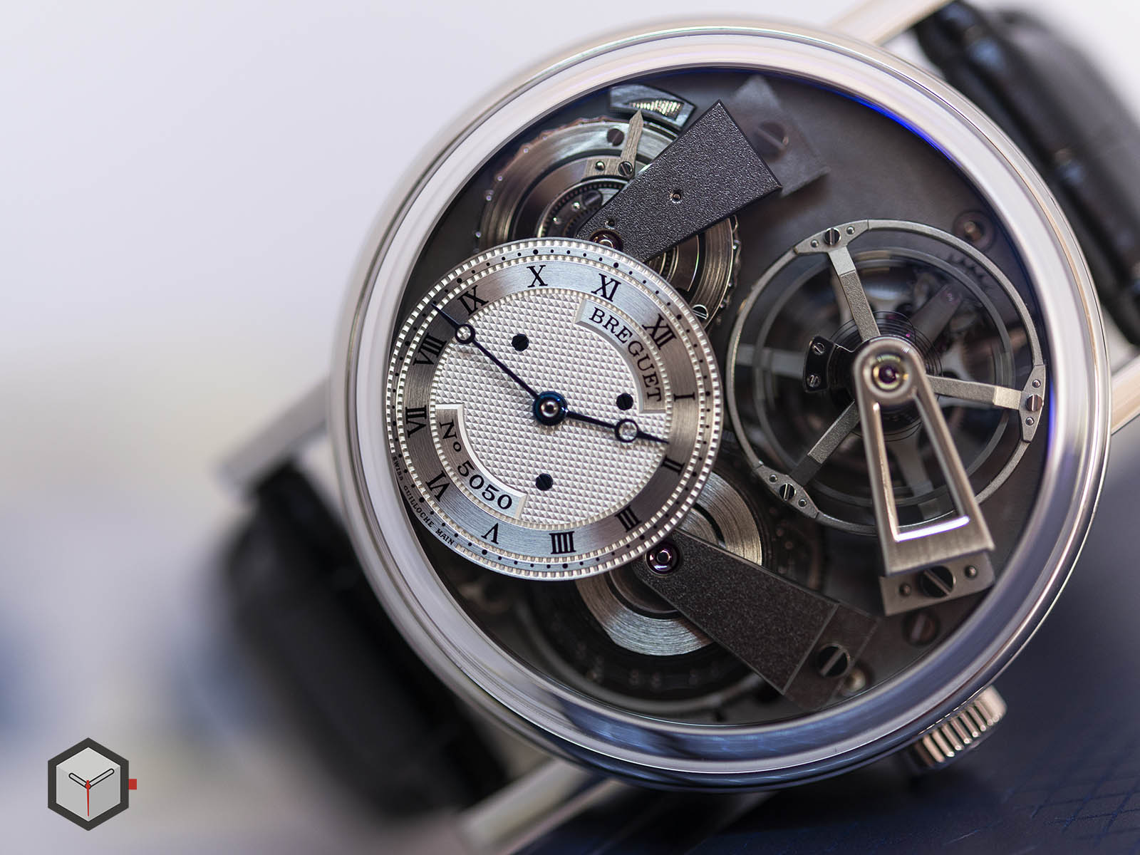 7047pt-11-9zu-breguet-tradition-fusee-tourbillon-5.jpg