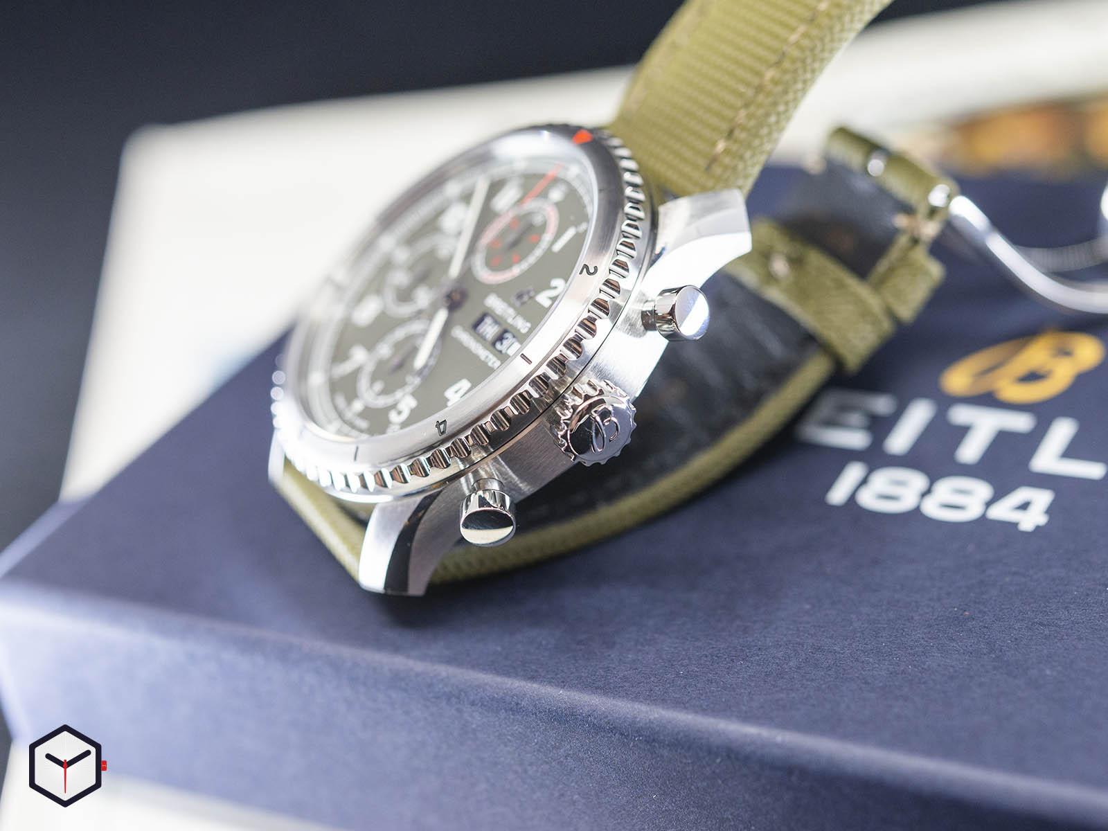 a133161a1l1x1-breitling-aviator-8-chronograph-43-curtiss-warhawk-3.jpg