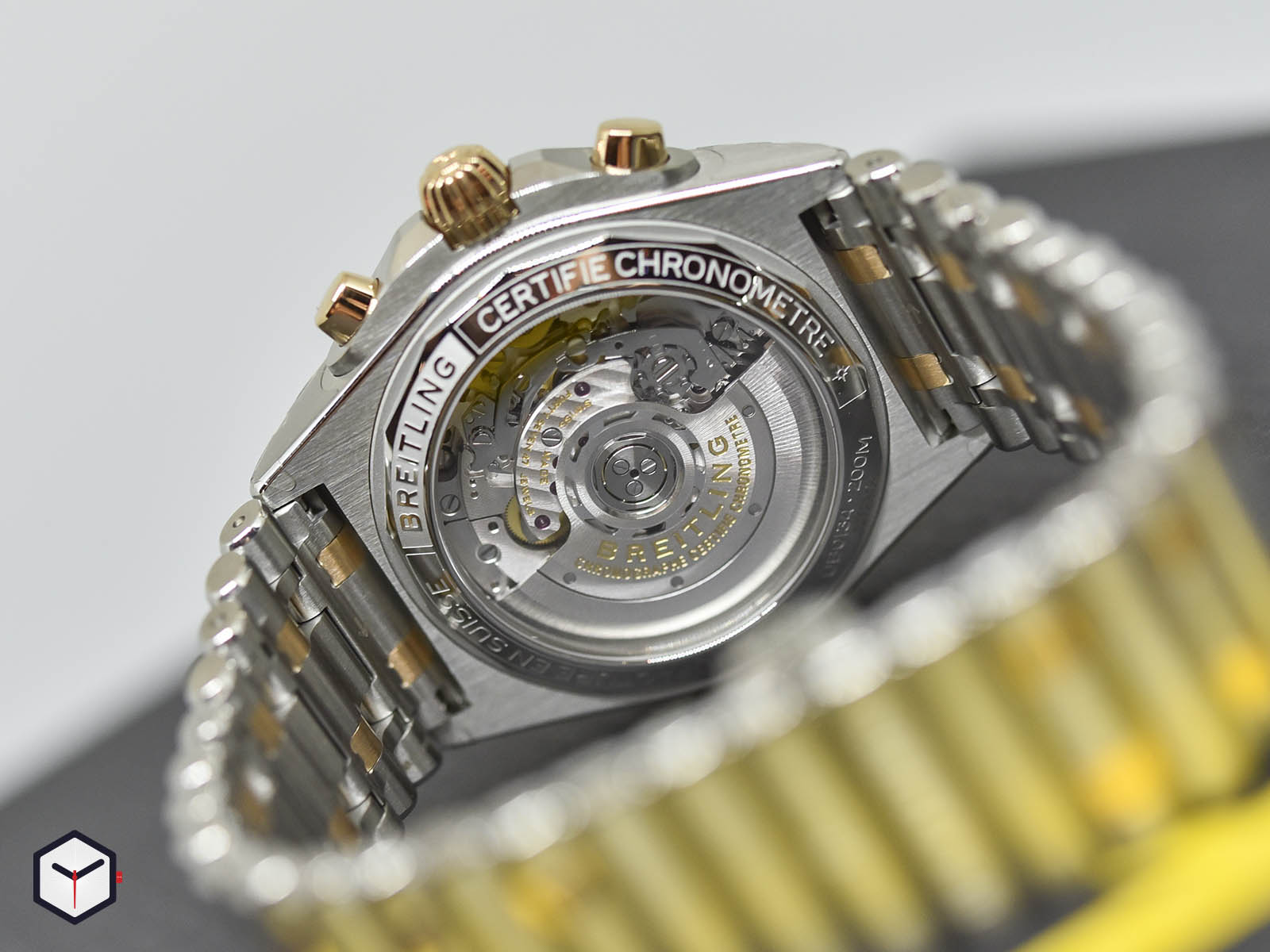 ub0134101b1u1-breitling-chronomat-chronograph-b01-42-5.jpg