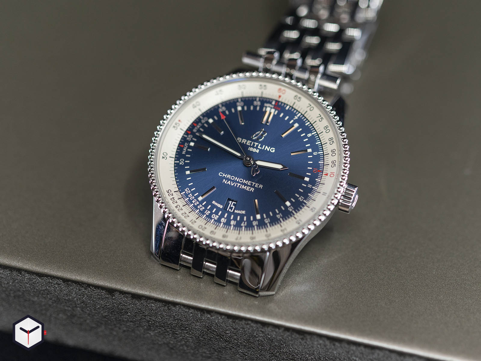 a17326211c1a1-breitling-navitimer-1-automatic-41-1.jpg
