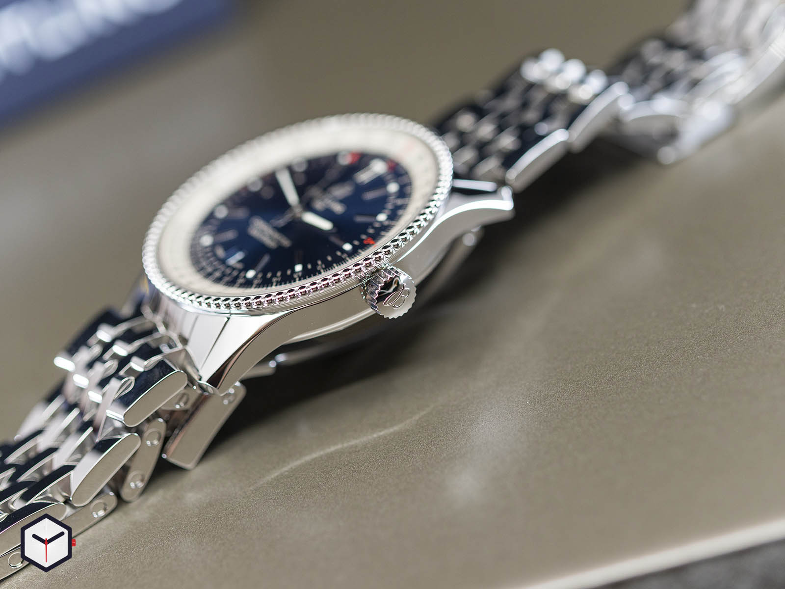 a17326211c1a1-breitling-navitimer-1-automatic-41-4.jpg