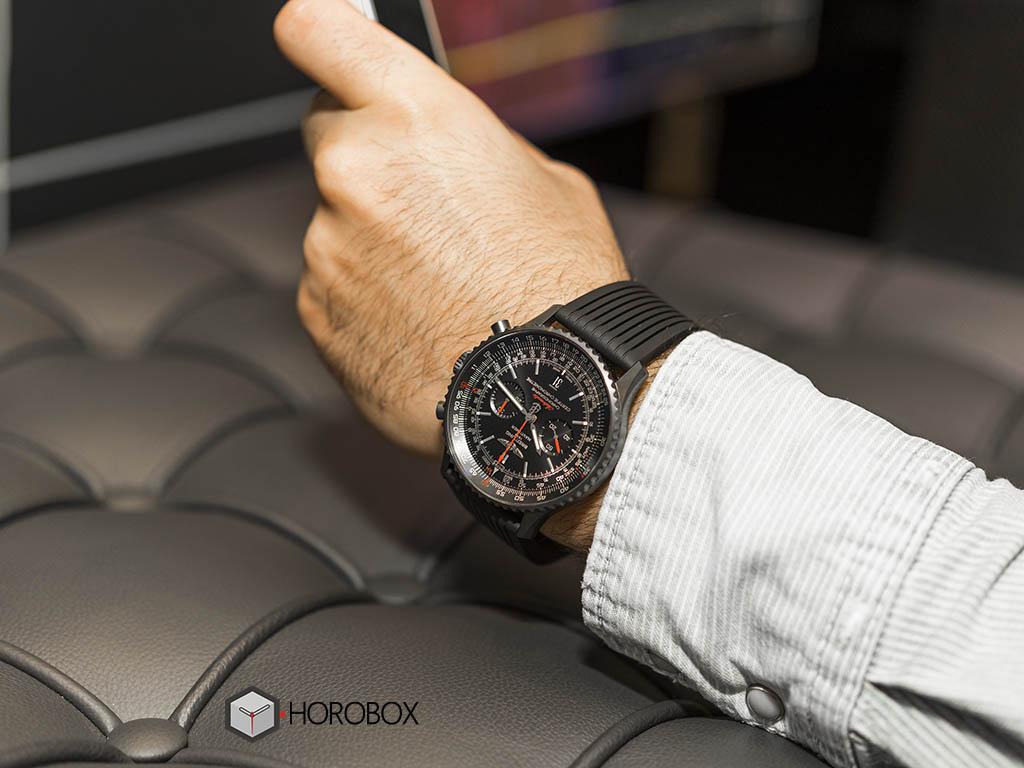 Часы breitling navitimer на руке фото