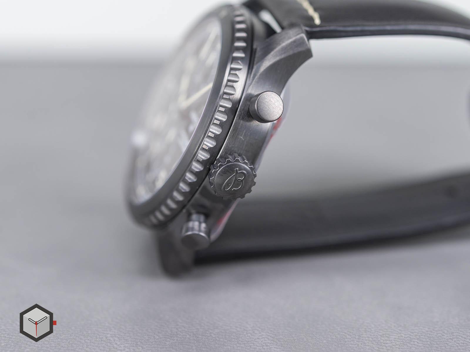 m13314101b1x1-breitling-navitimer-8-chronograph-43-blacksteel-5.jpg