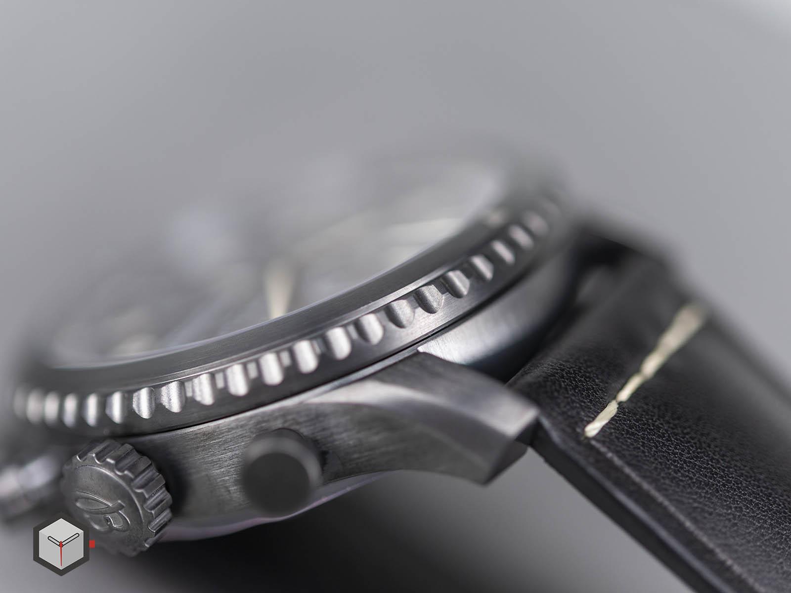 m13314101b1x1-breitling-navitimer-8-chronograph-43-blacksteel-6.jpg