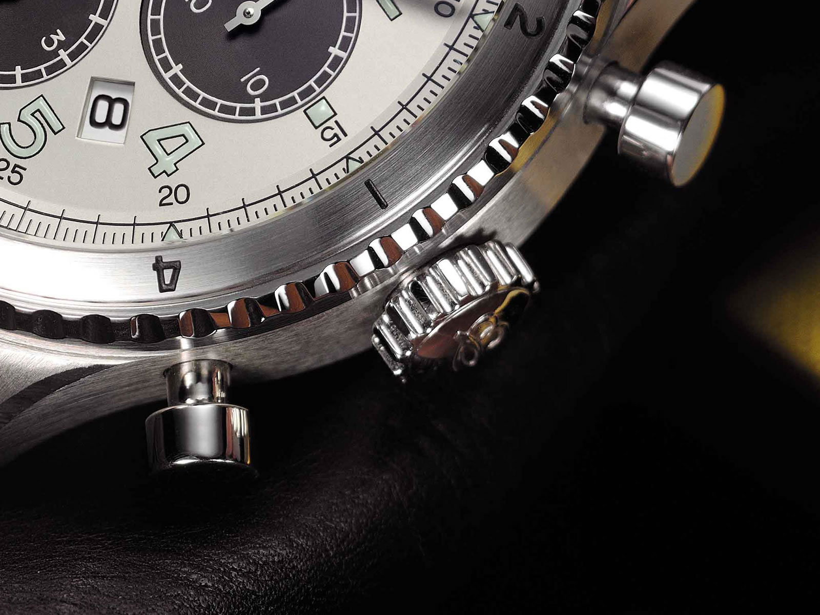 ab01171a-g839-breitling-navitimer-aviator-8-b01-the-chronograph-43-7.jpg