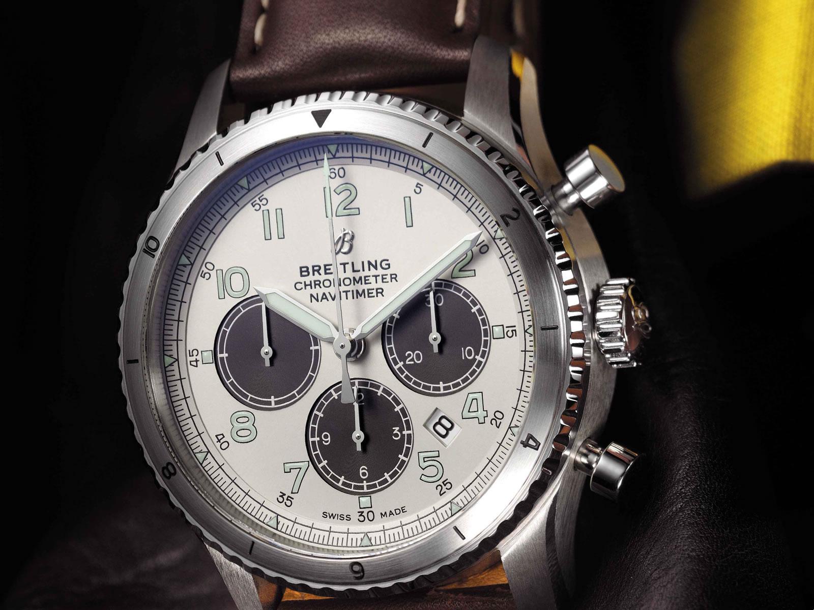 ab01171a-g839-breitling-navitimer-aviator-8-b01-the-chronograph-43-9.jpg