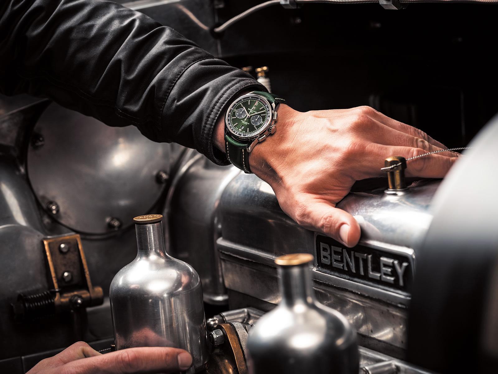 breitling-premier-b01-chronograph-42-bentley-british-racing-green-with-a-british-racing-green-leather-strap-3-.jpg