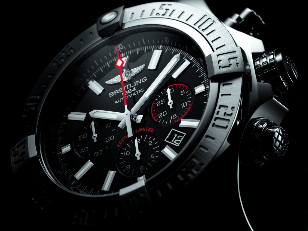 Breitling-Super-Avenger-01-Boutique-Edition-13.jpg