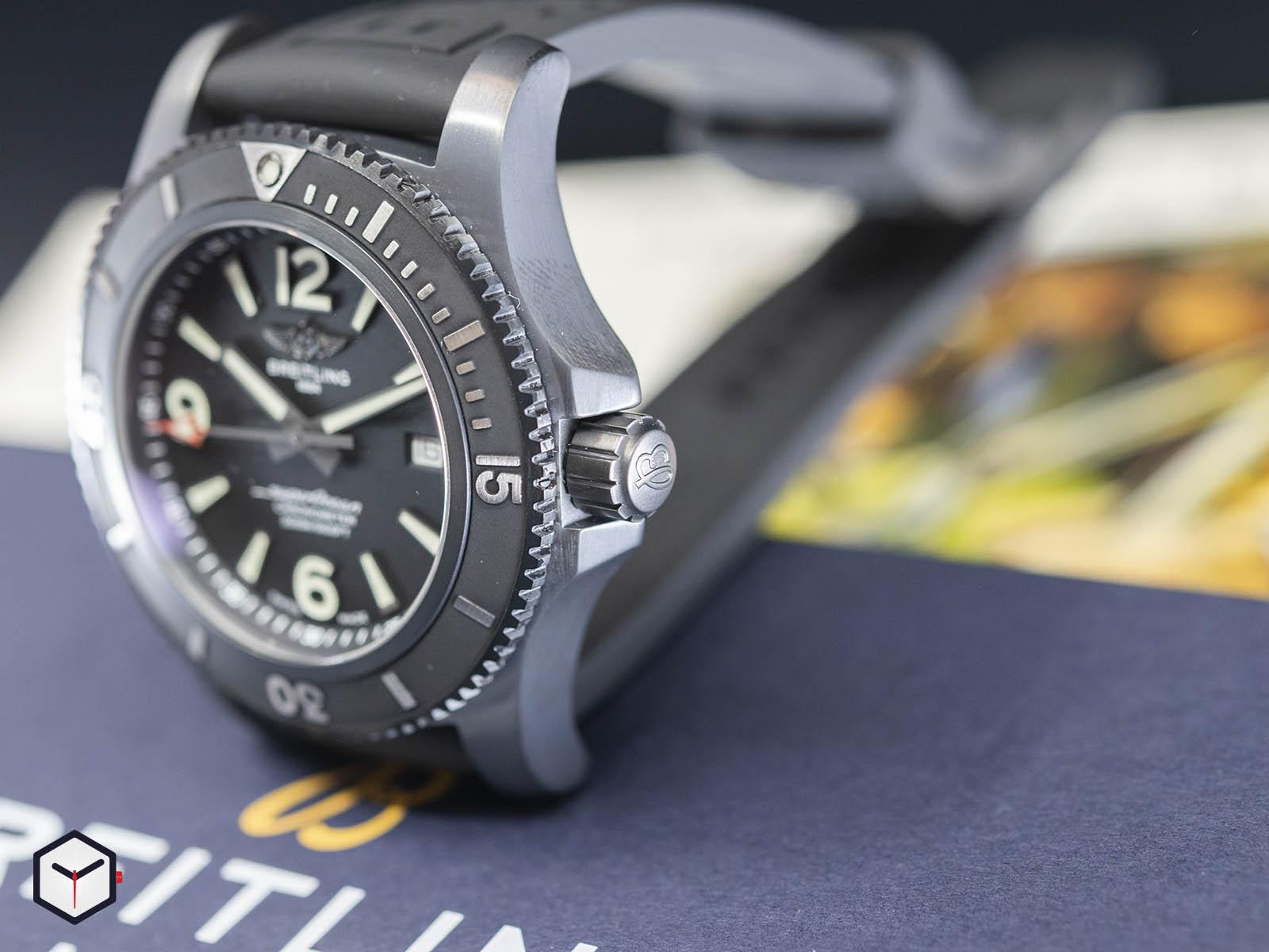 m17368b71b1s1-breitling-superocean-automatic-46-black-steel-3.jpg
