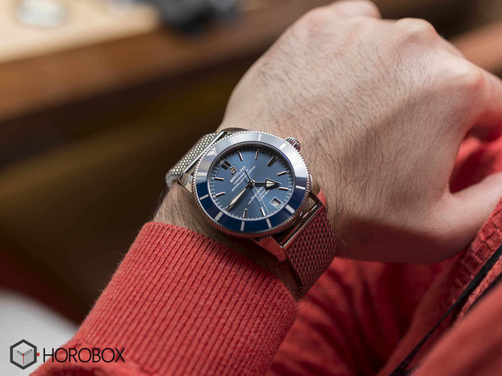 ab201016-c960-154a-breitling-superocean-heritage-2-b20-automatic-42-stainless-steel-gun-blue-9.jpg