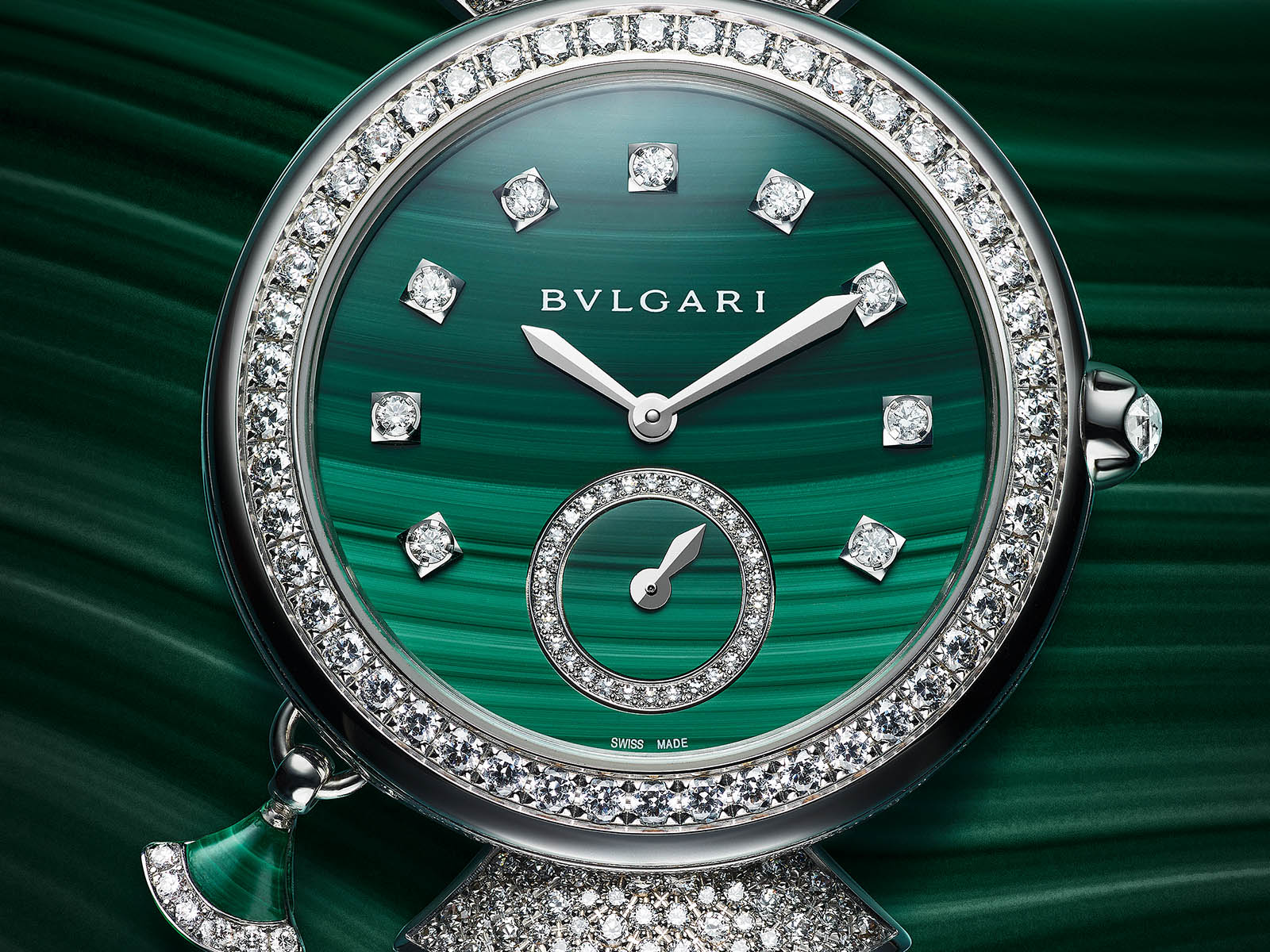103282-bulgari-divas-dream-finissima-minute-repeater-malachite-1.jpg